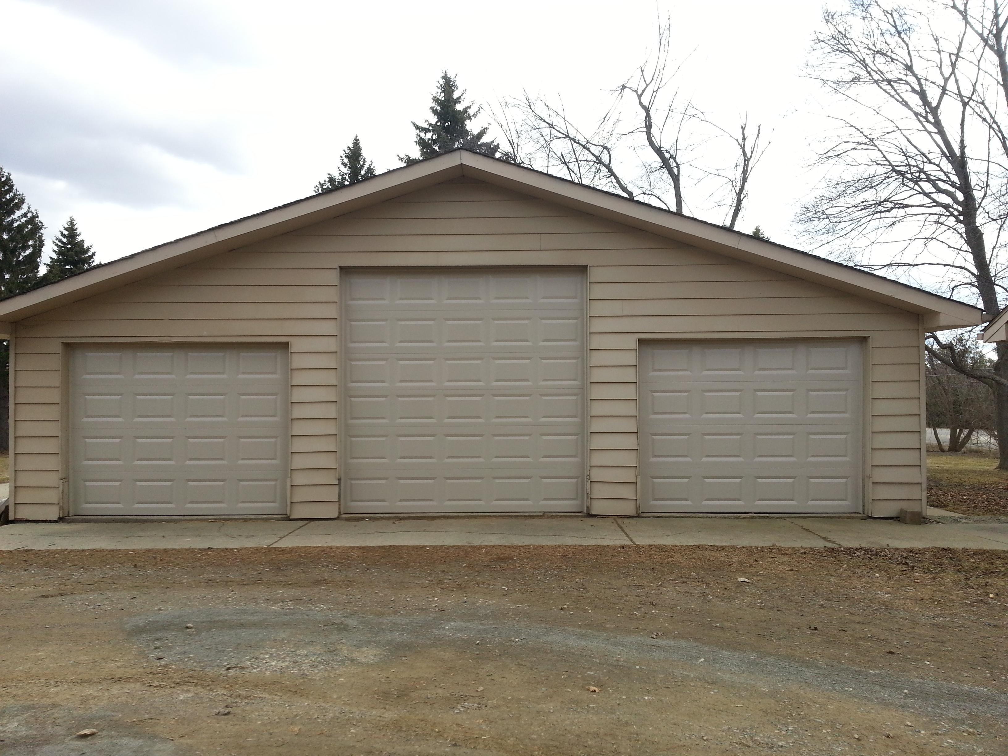 Garage door opener install ibegin for Brownsburg garage doors
