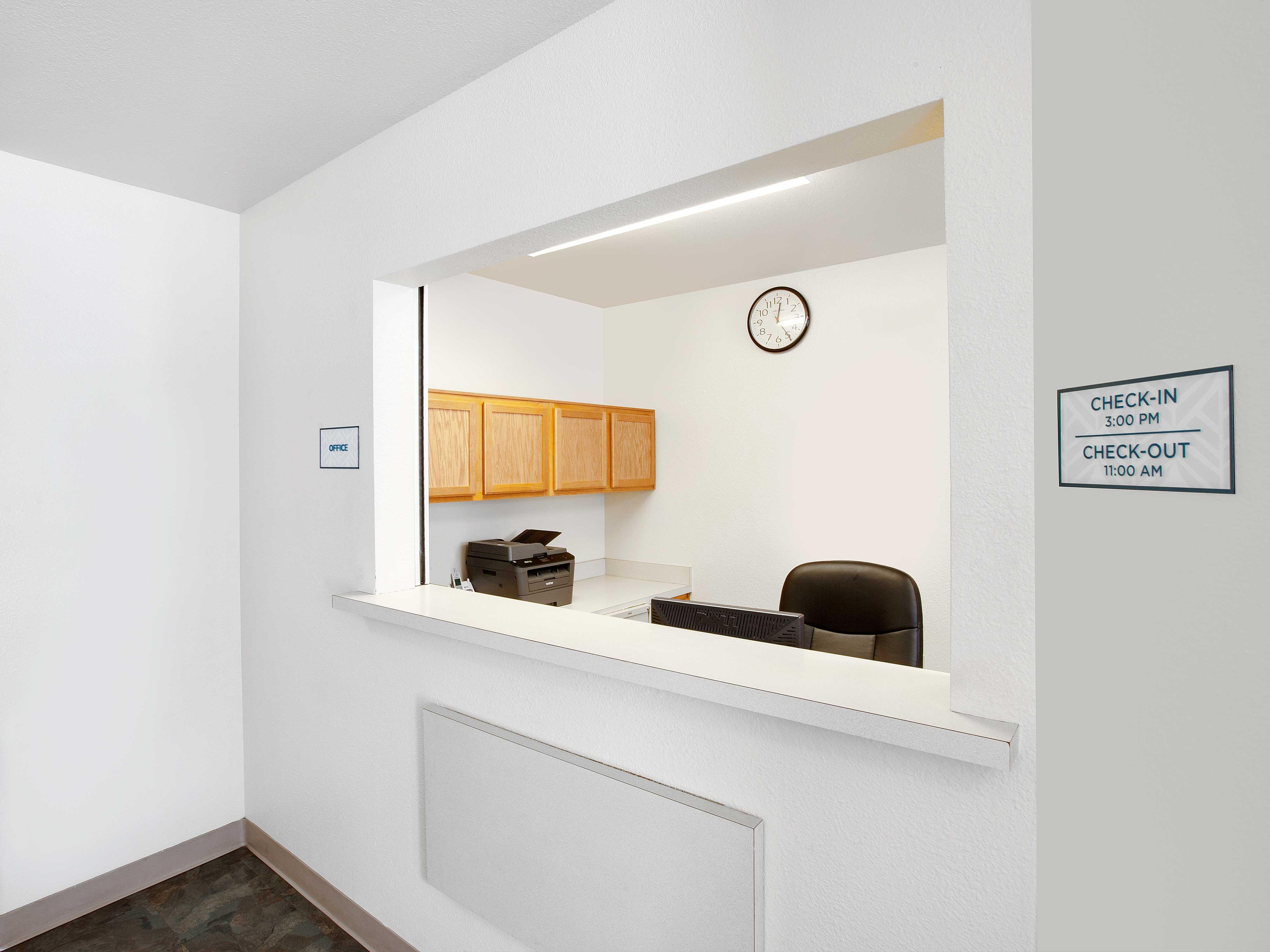 WoodSpring Suites Houston Willowbrook image 8
