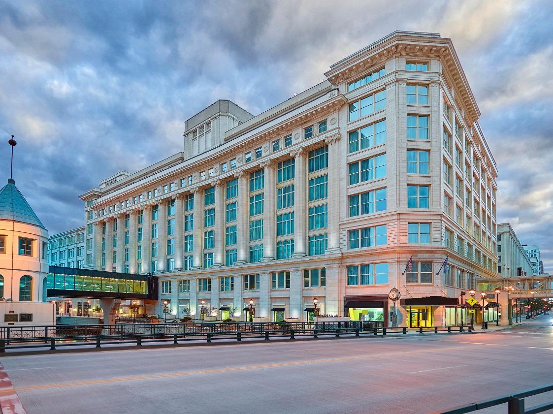 Residence Inn by Marriott Milwaukee Downtown image 5