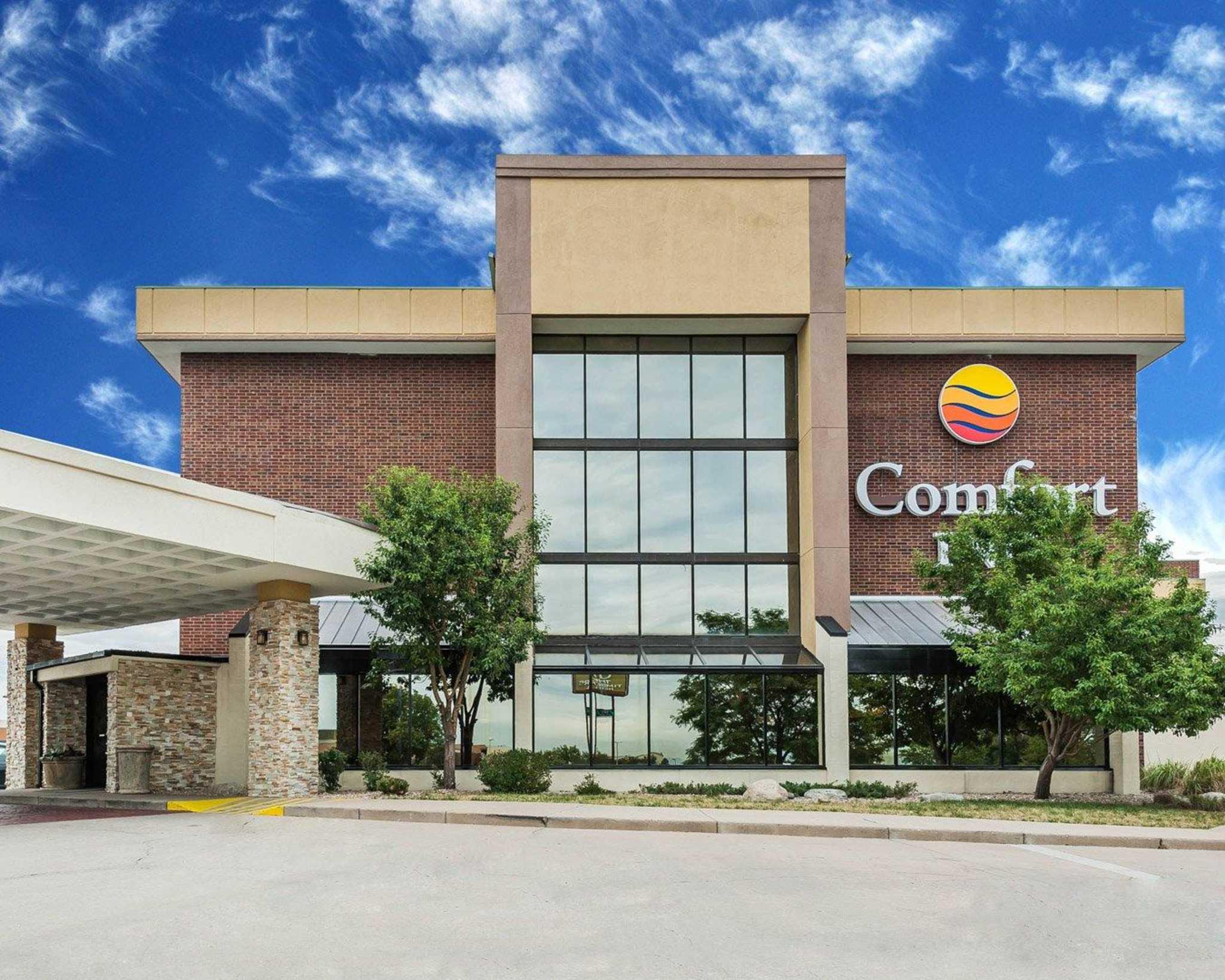 Comfort Inn Denver East image 2