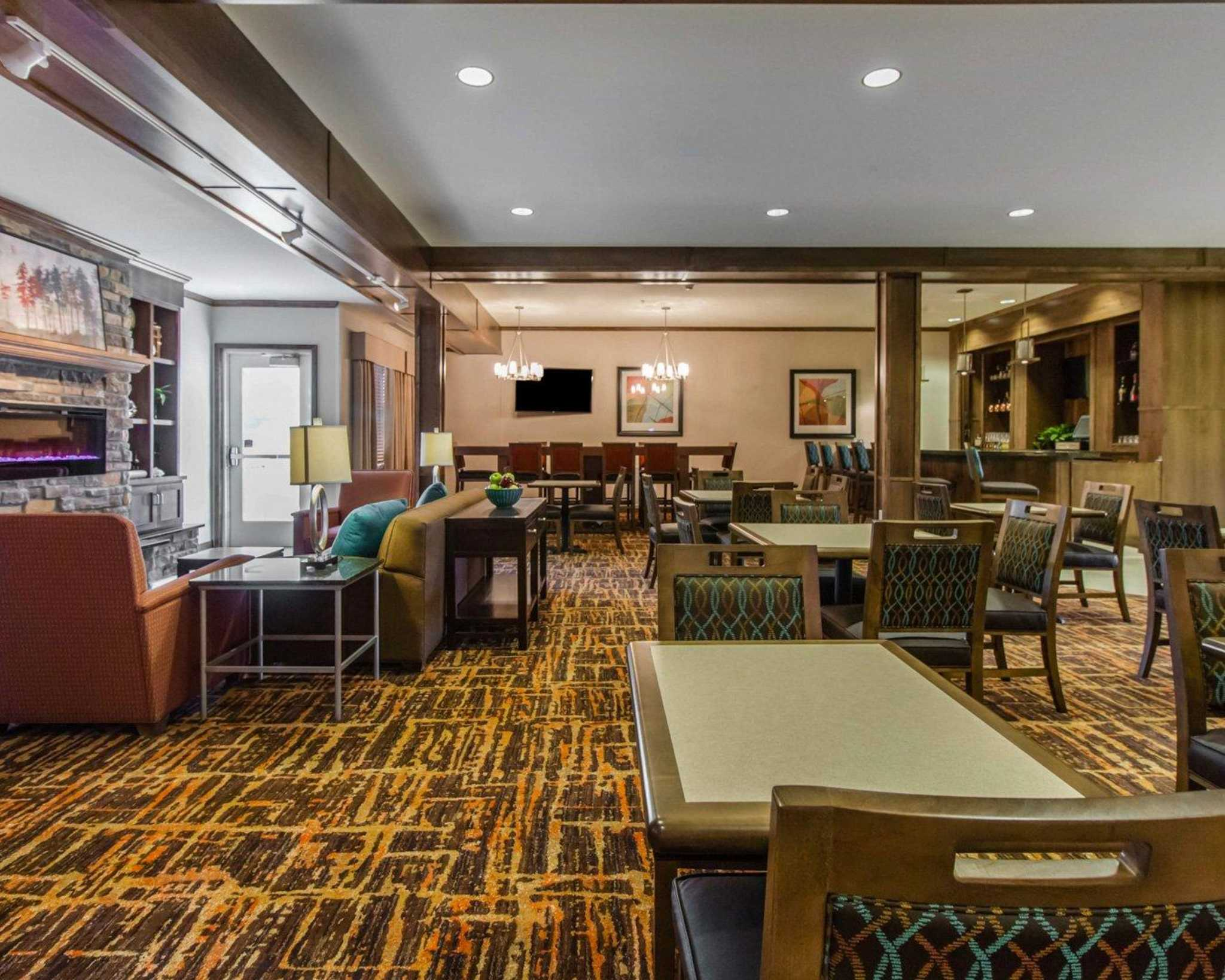 MainStay Suites Event Center image 6