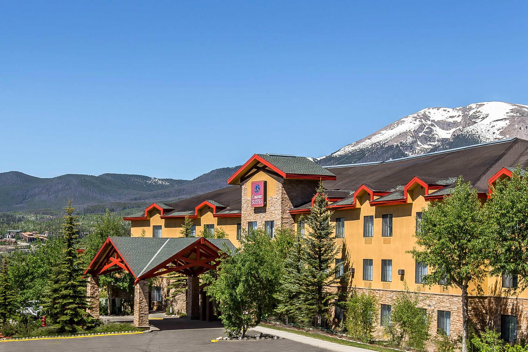 Comfort Suites Summit County image 0