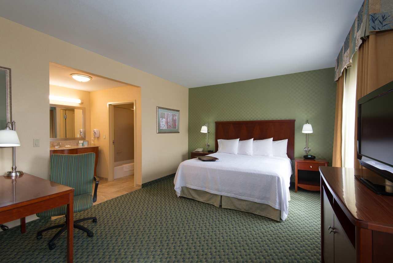 Hampton Inn & Suites El Paso West image 21