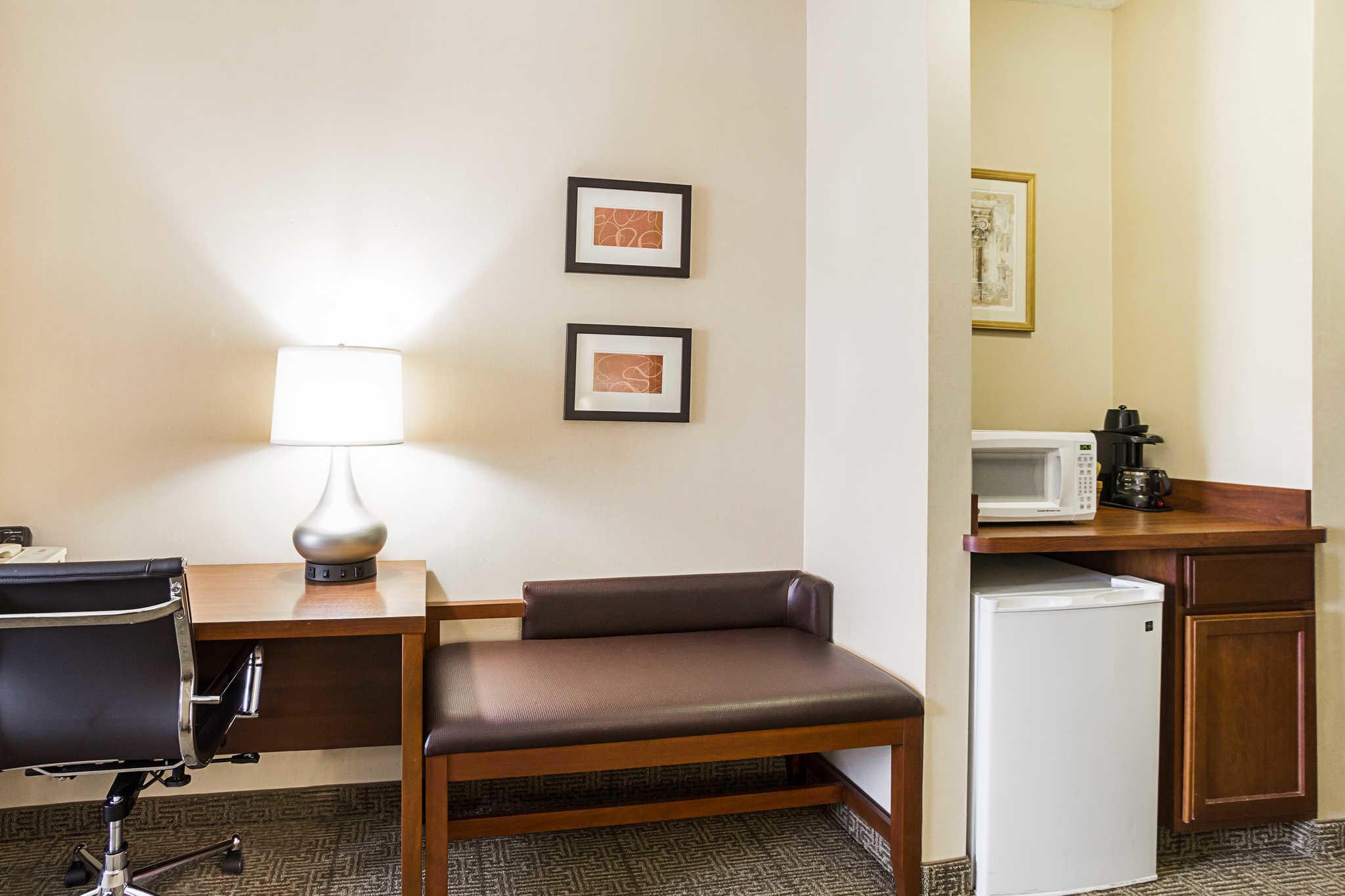 Comfort Suites image 38