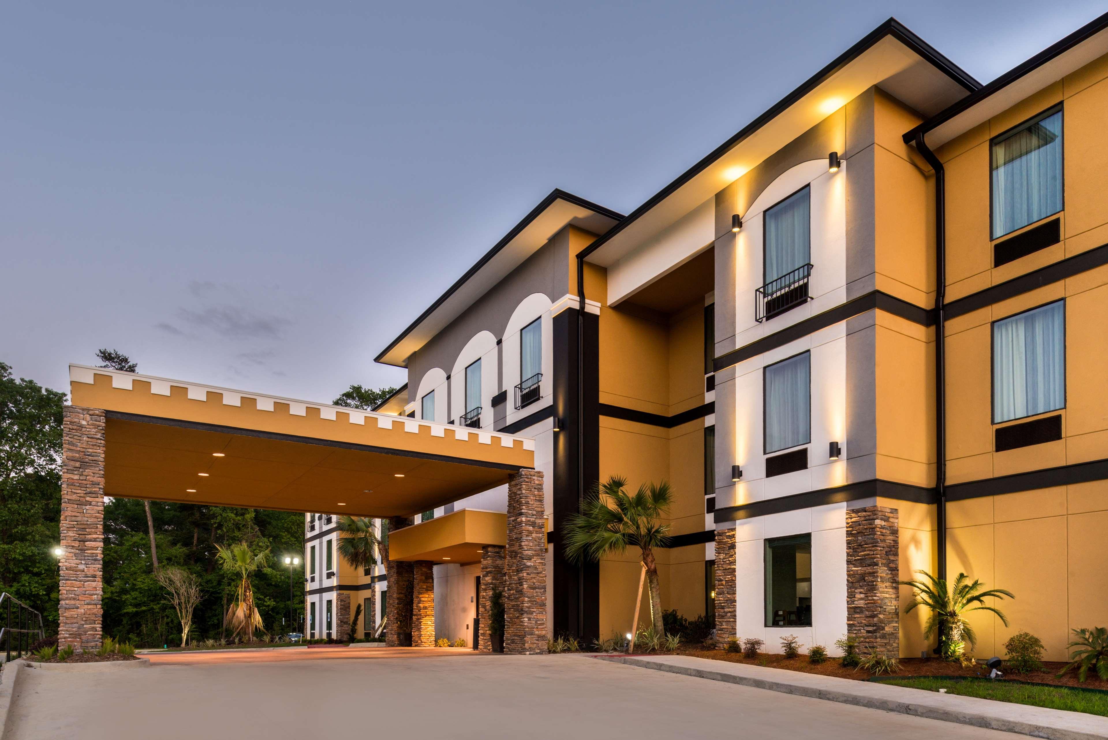 Best Western Plus Regency Park Hotel image 2