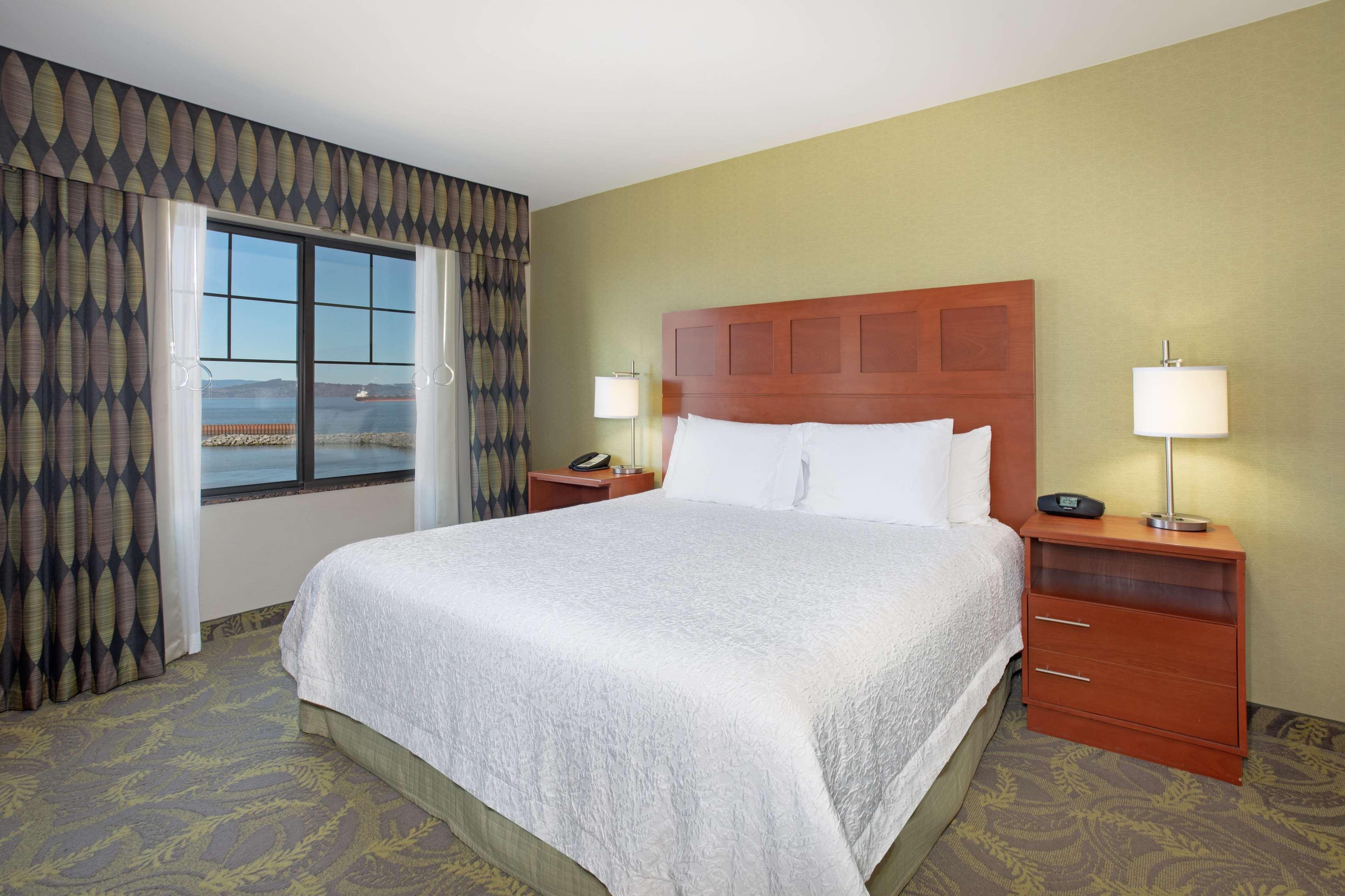 Hampton Inn & Suites Astoria image 63