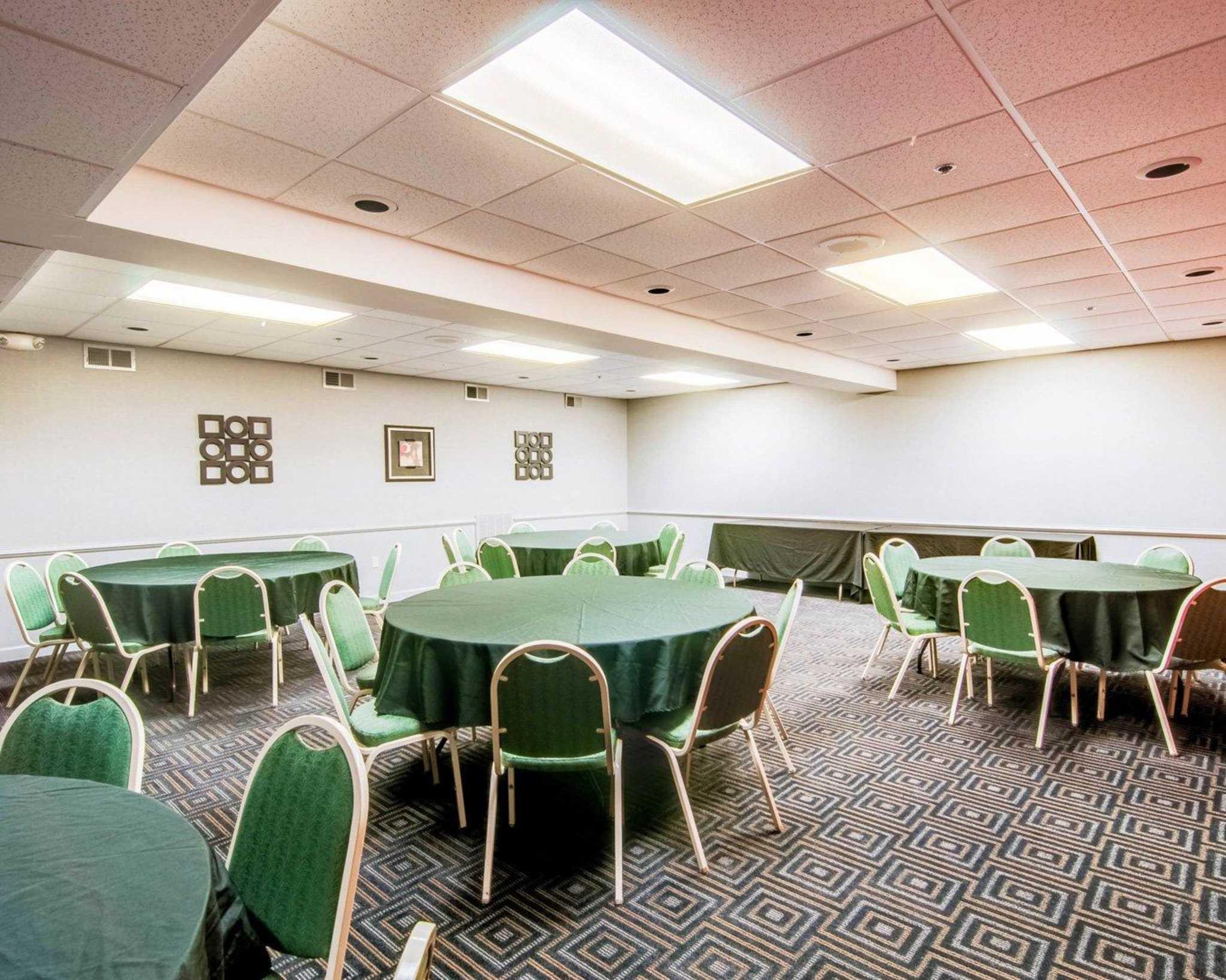 Comfort Suites Inn at Ridgewood Farm image 17