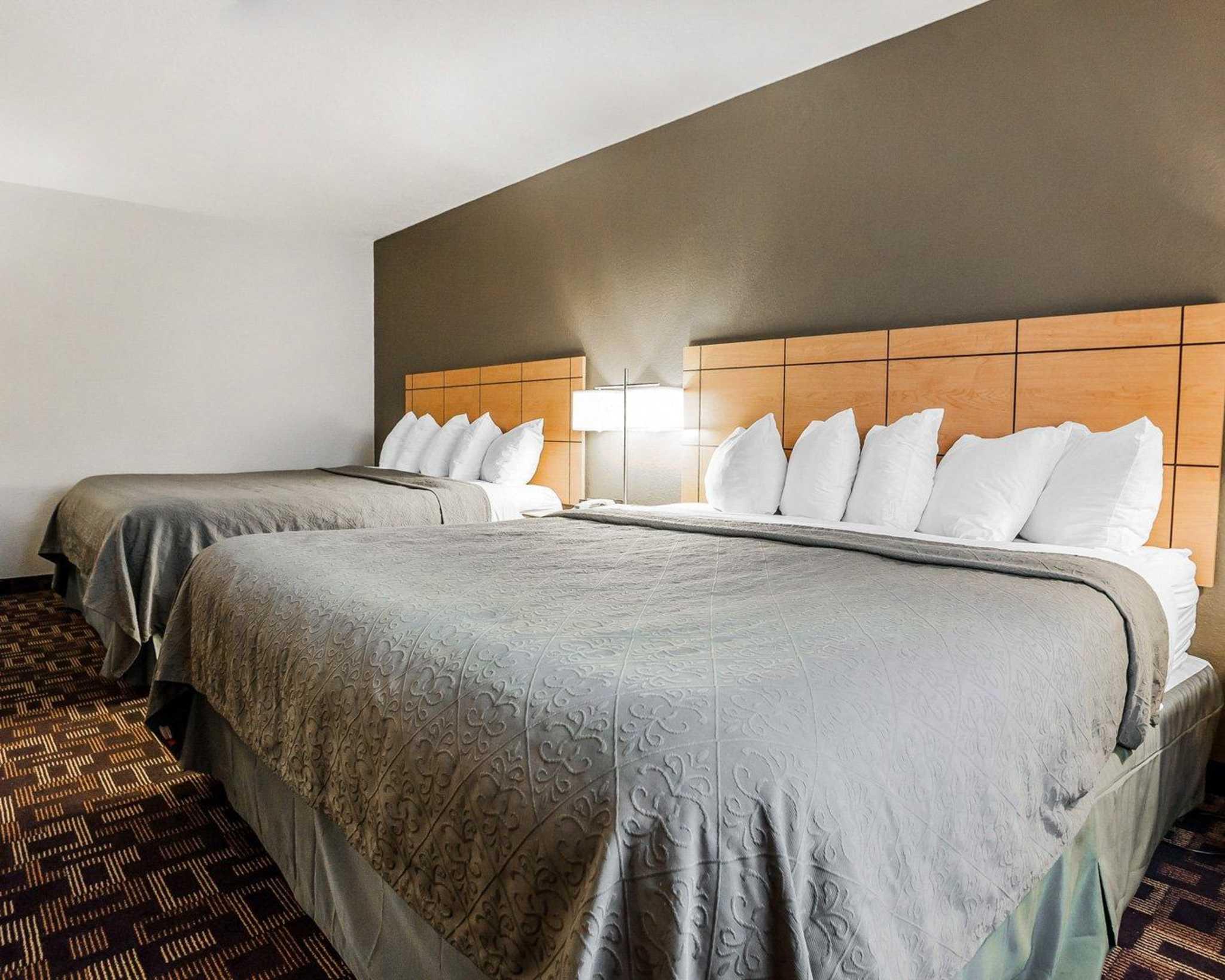 Quality Inn & Suites Des Moines Airport image 25