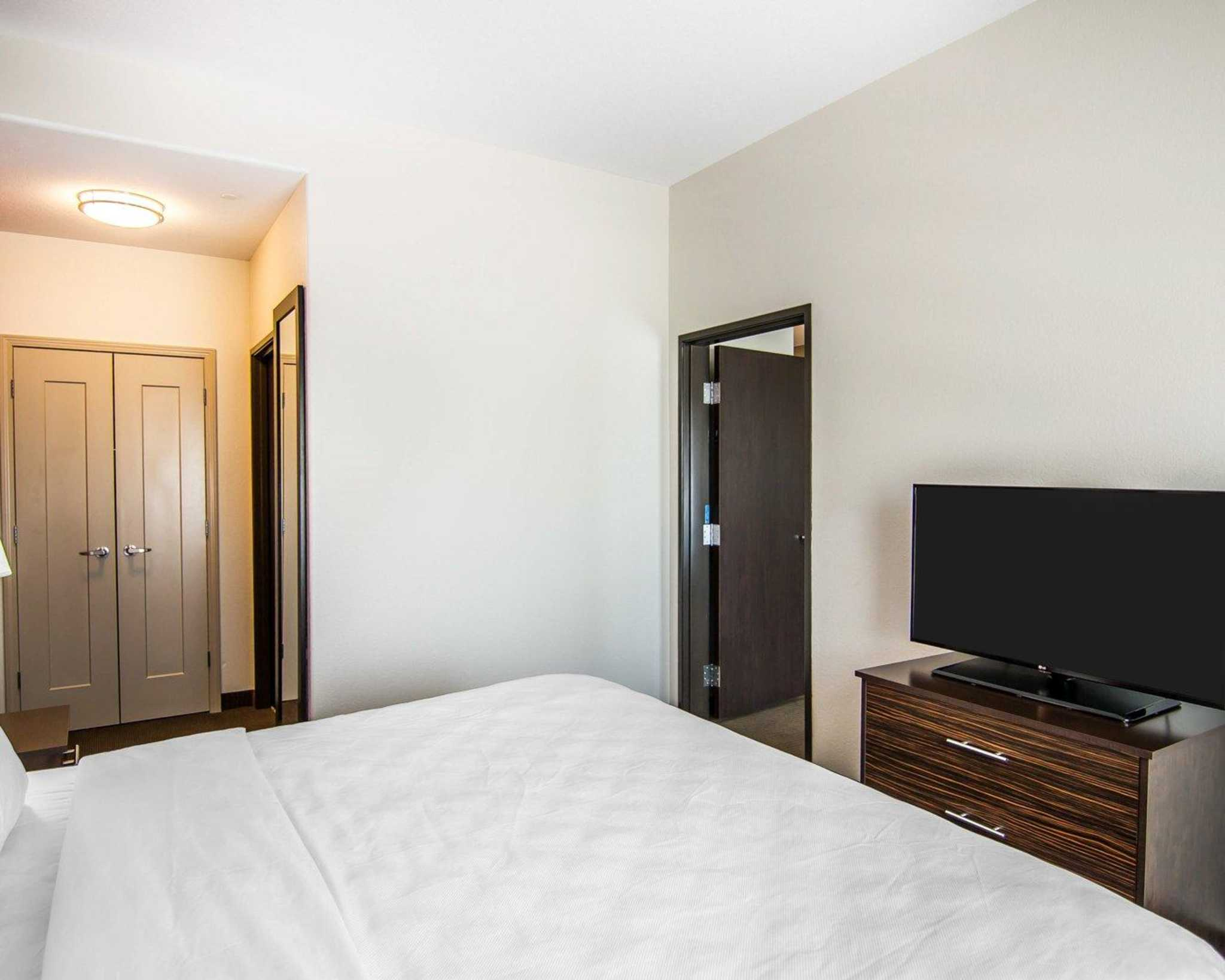 MainStay Suites image 5