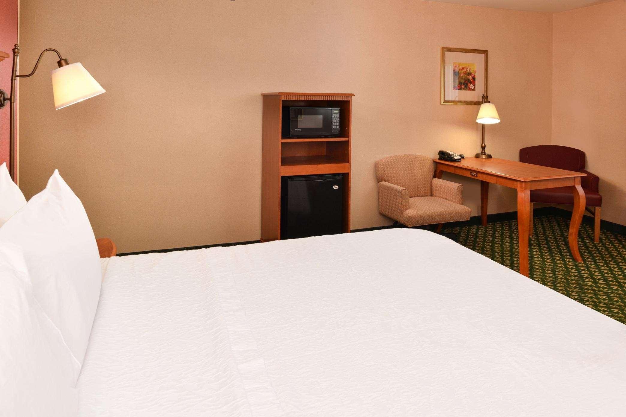Hampton Inn & Suites Casper image 31