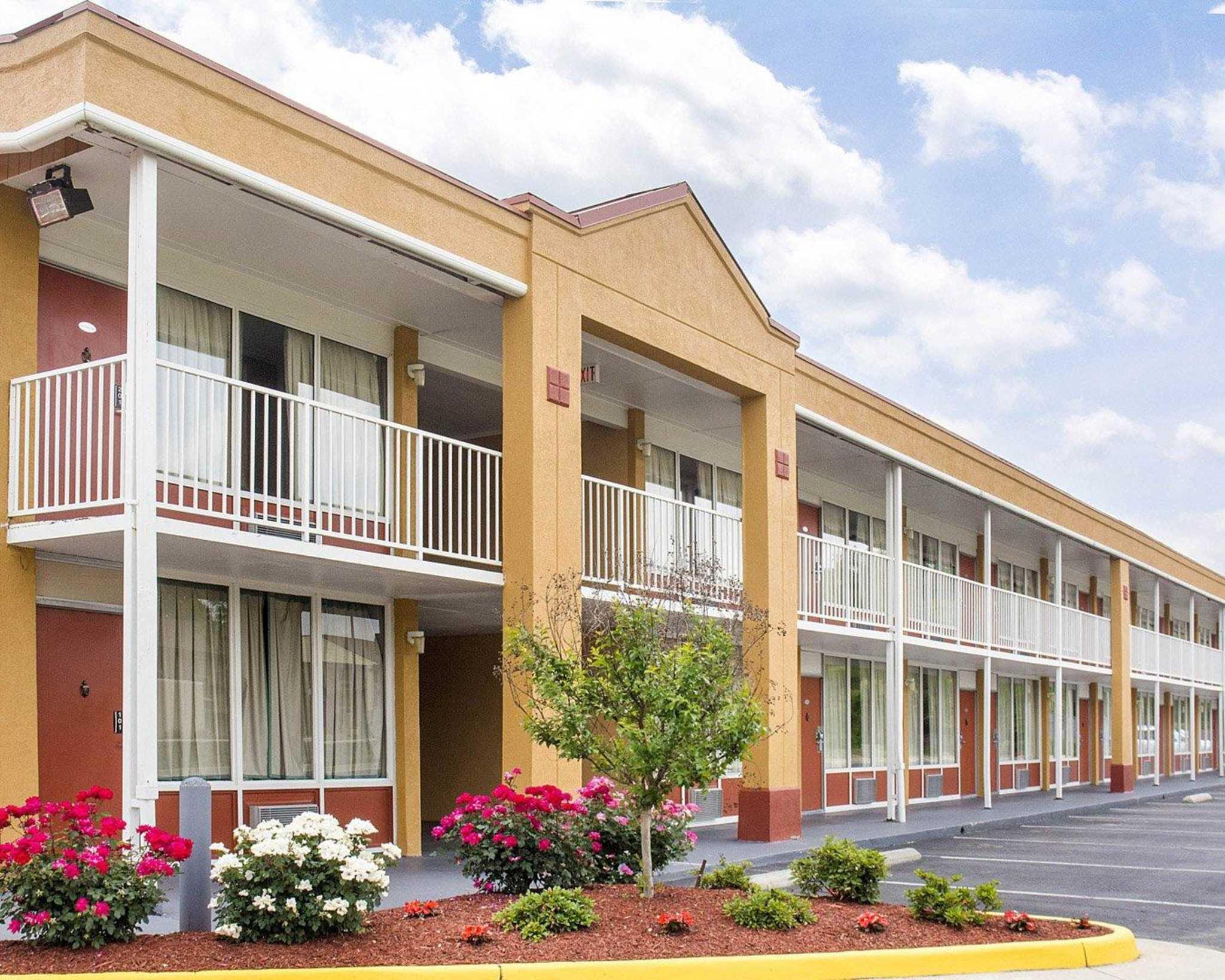 quality inn fredericksburg near historic downtown. Black Bedroom Furniture Sets. Home Design Ideas