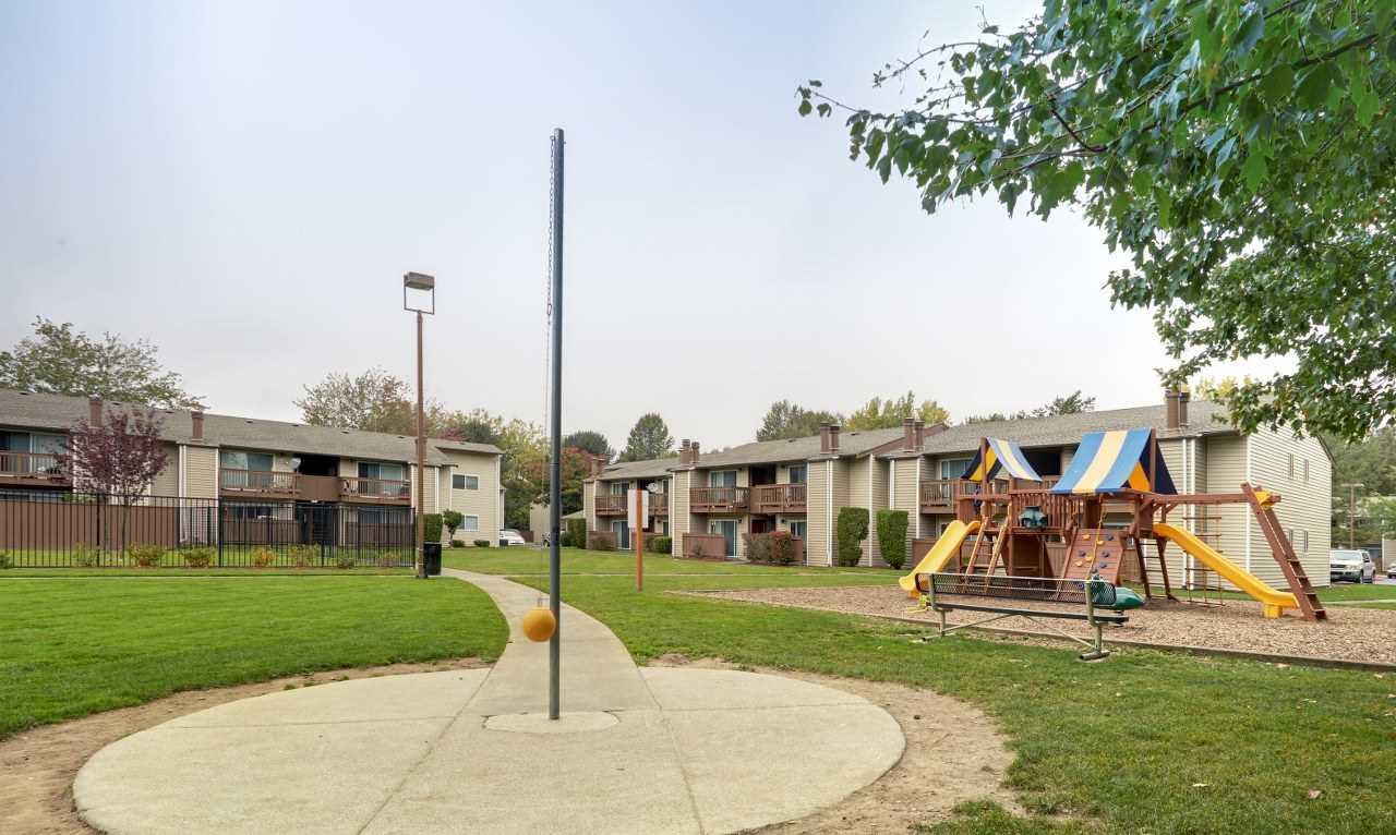 Arbor Chase Apartment Homes image 3