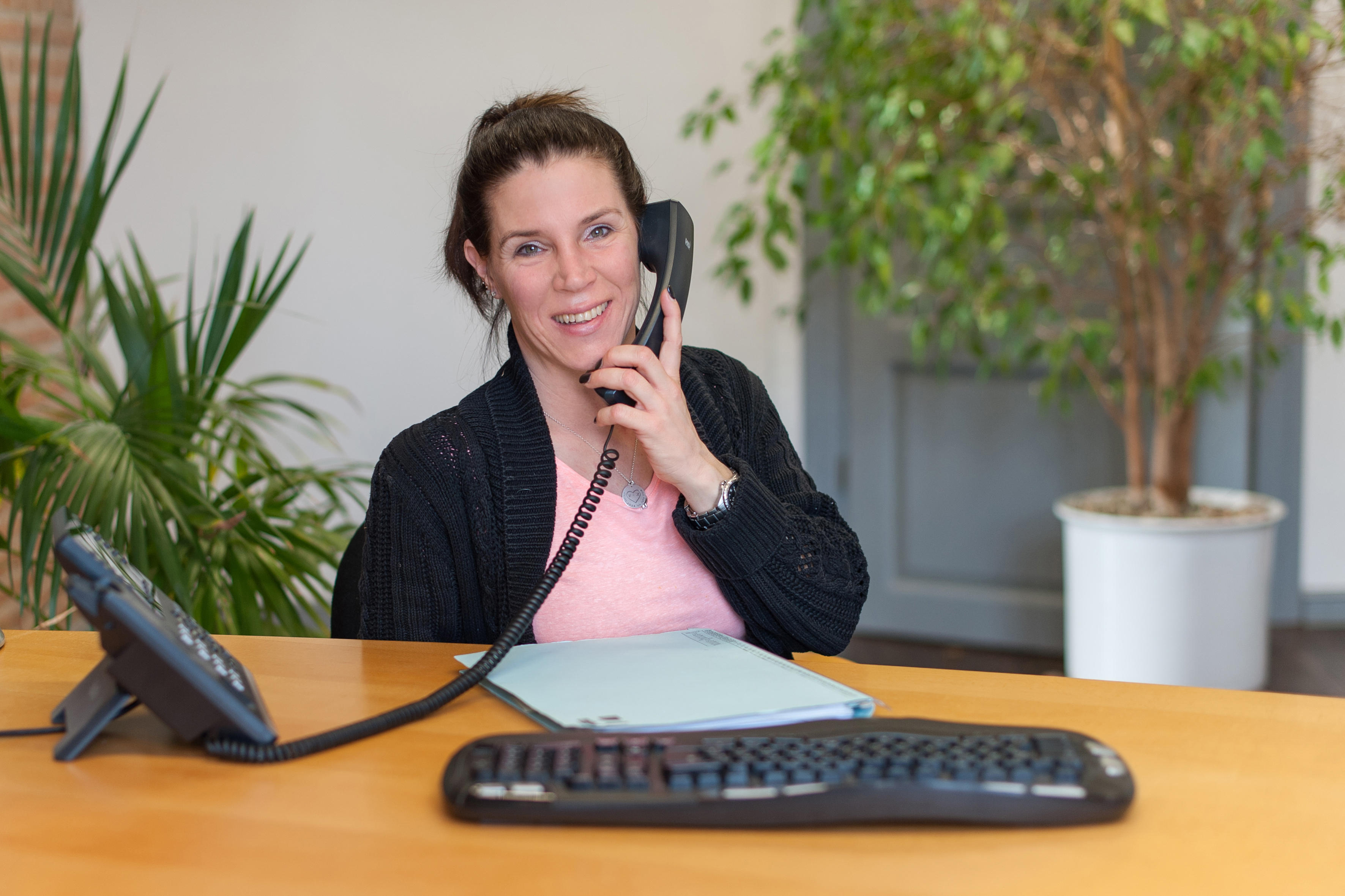 Katja Weingarten, Sekretärin von Rechtsanwalt Osthoff