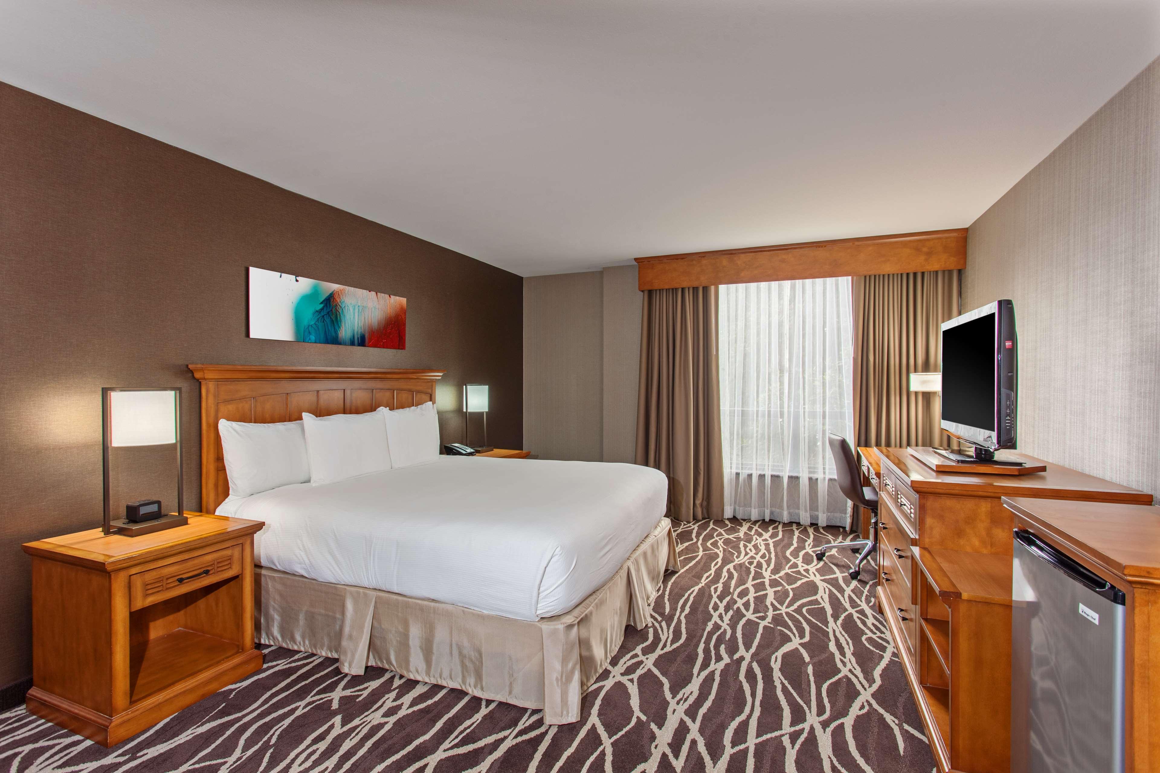 DoubleTree by Hilton Hotel San Bernardino image 20
