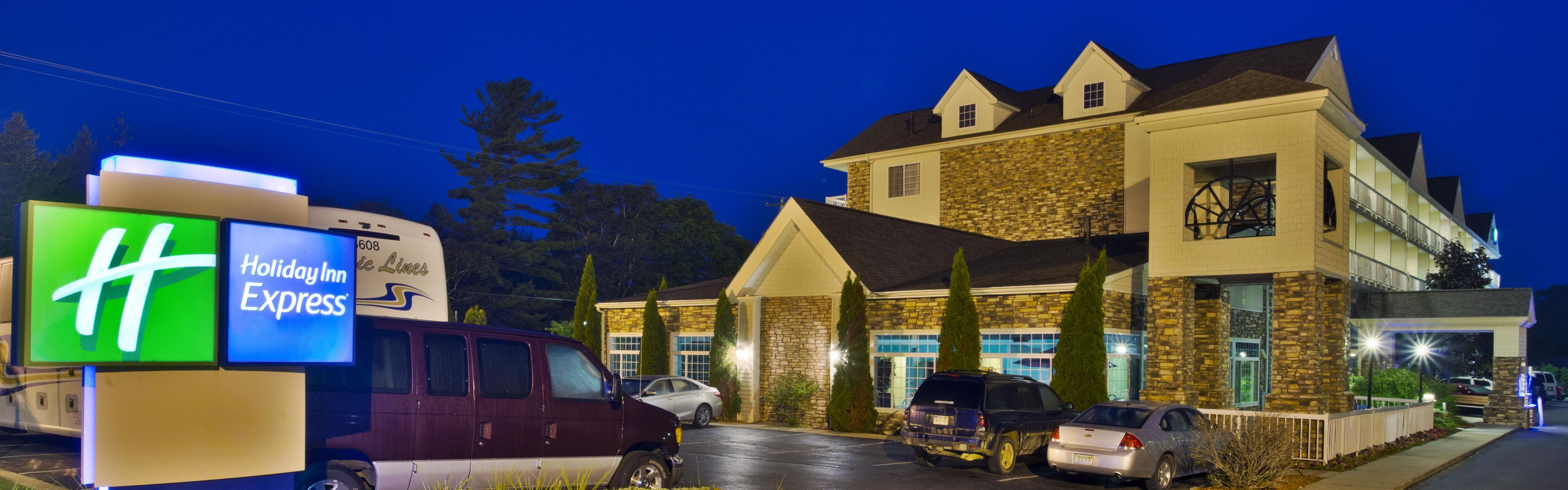 Holiday Inn Express Mackinaw City image 0