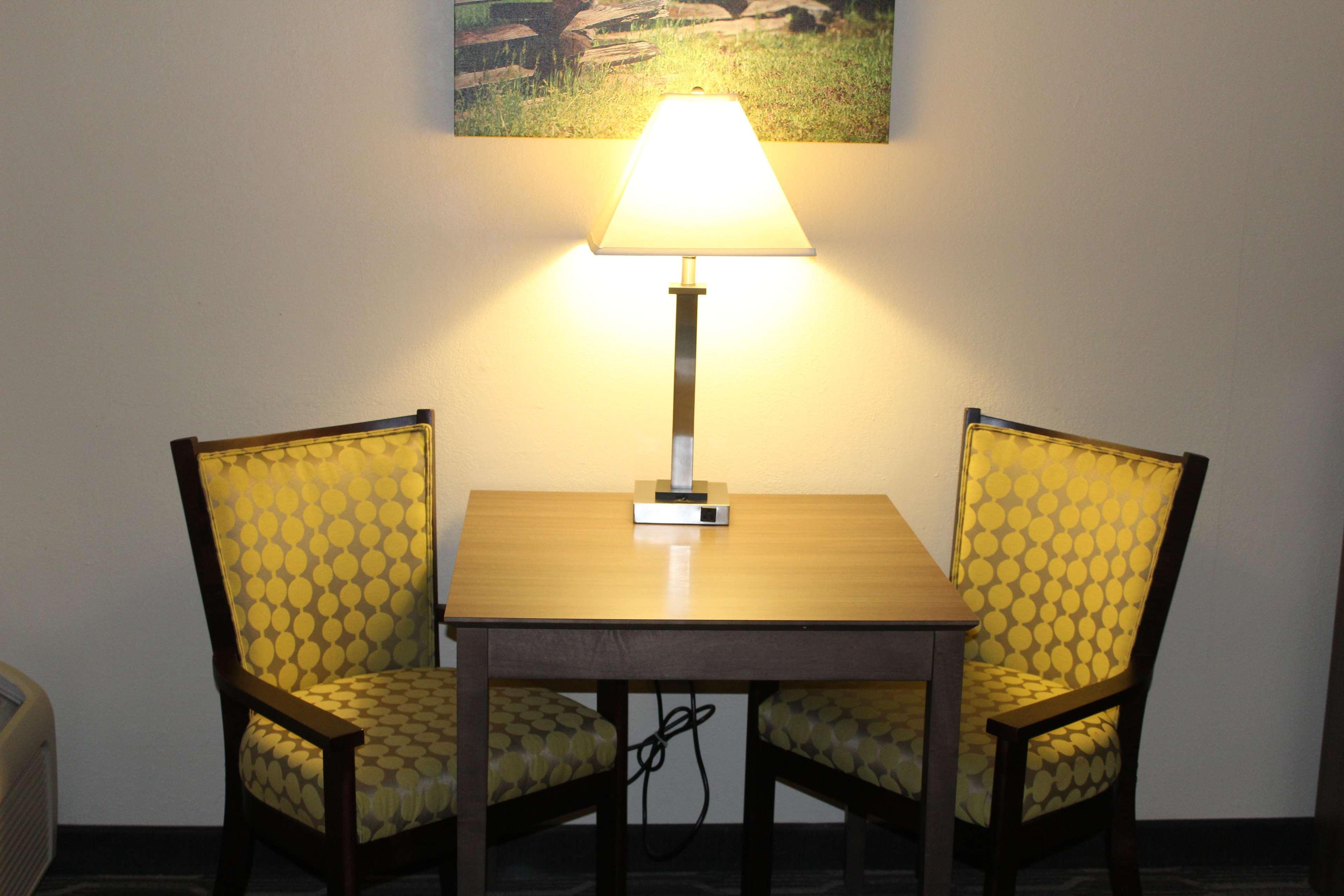 Best Western Plus Yadkin Valley Inn & Suites image 8