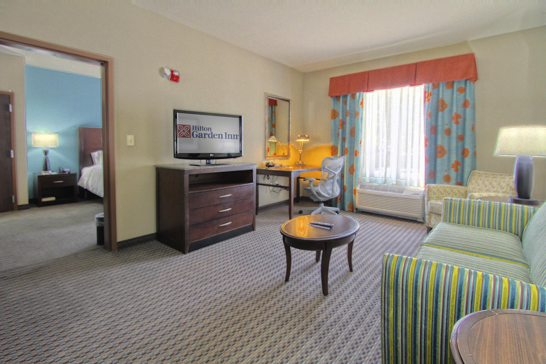 Hilton Garden Inn Tulsa Midtown image 9