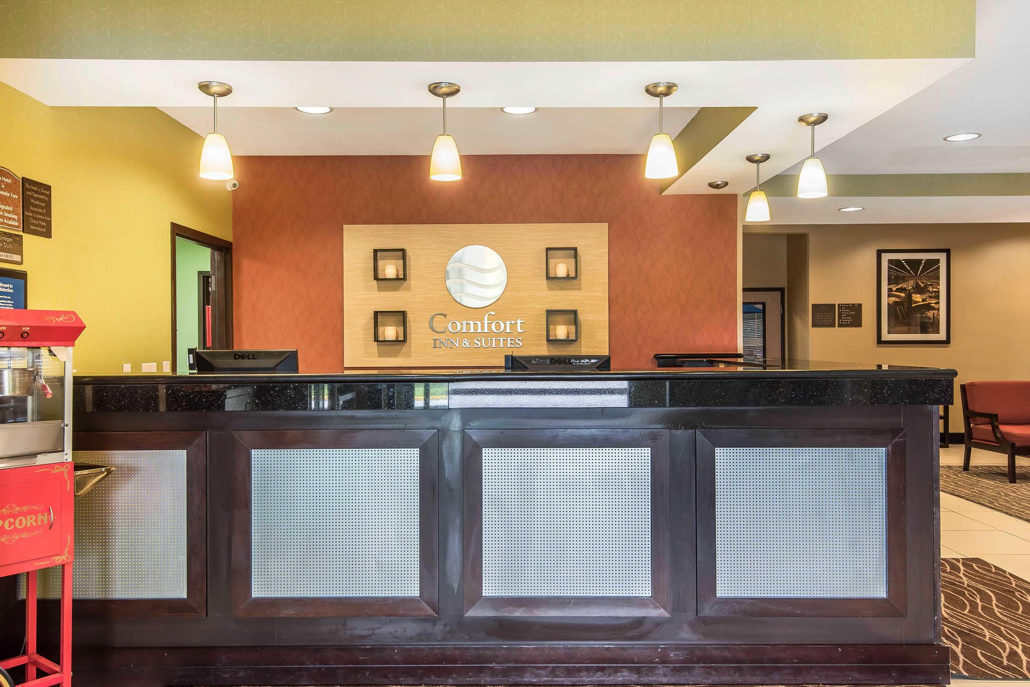 Comfort Inn & Suites Kansas City - Northeast image 4