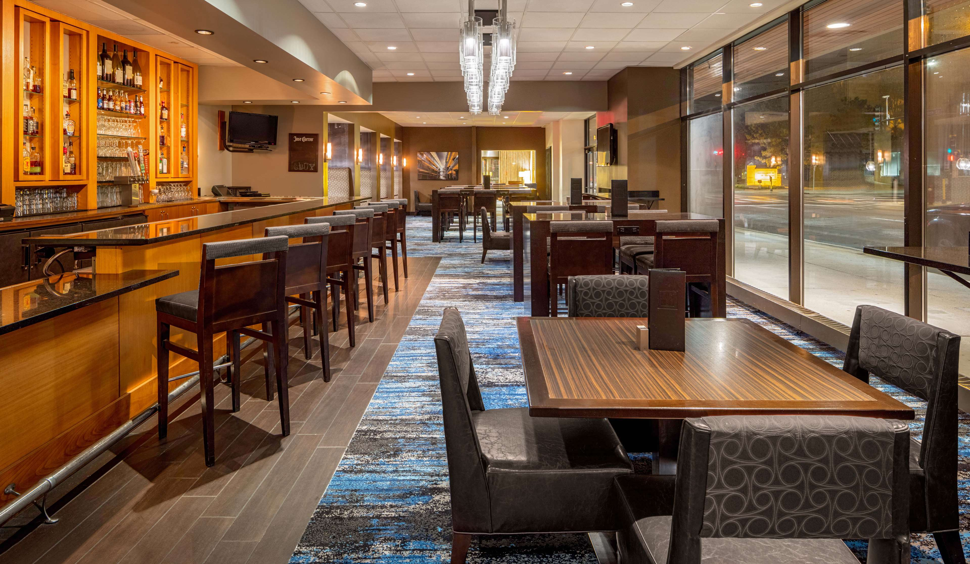 DoubleTree Suites by Hilton Hotel Minneapolis image 8