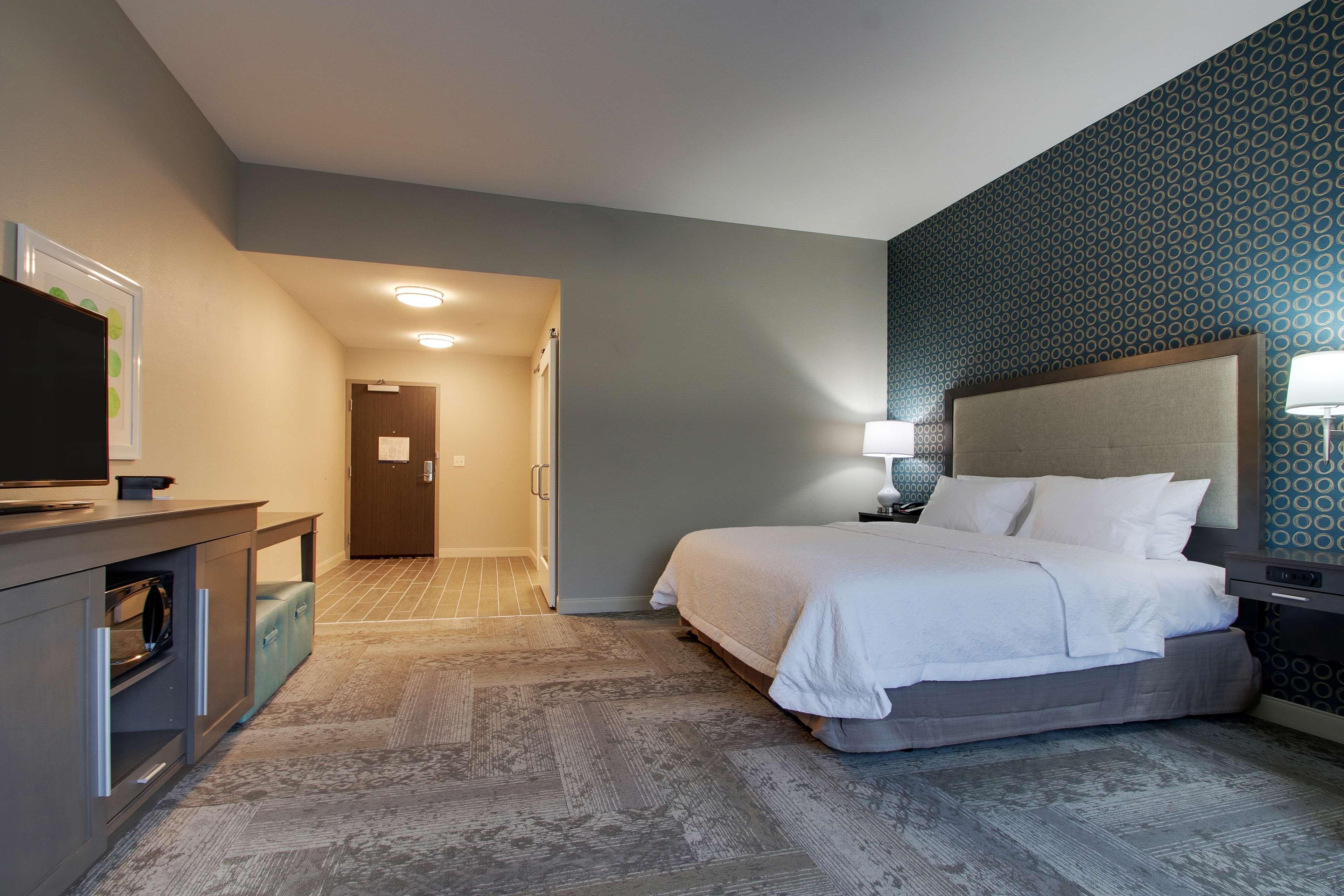 Hampton Inn & Suites Knightdale Raleigh image 21