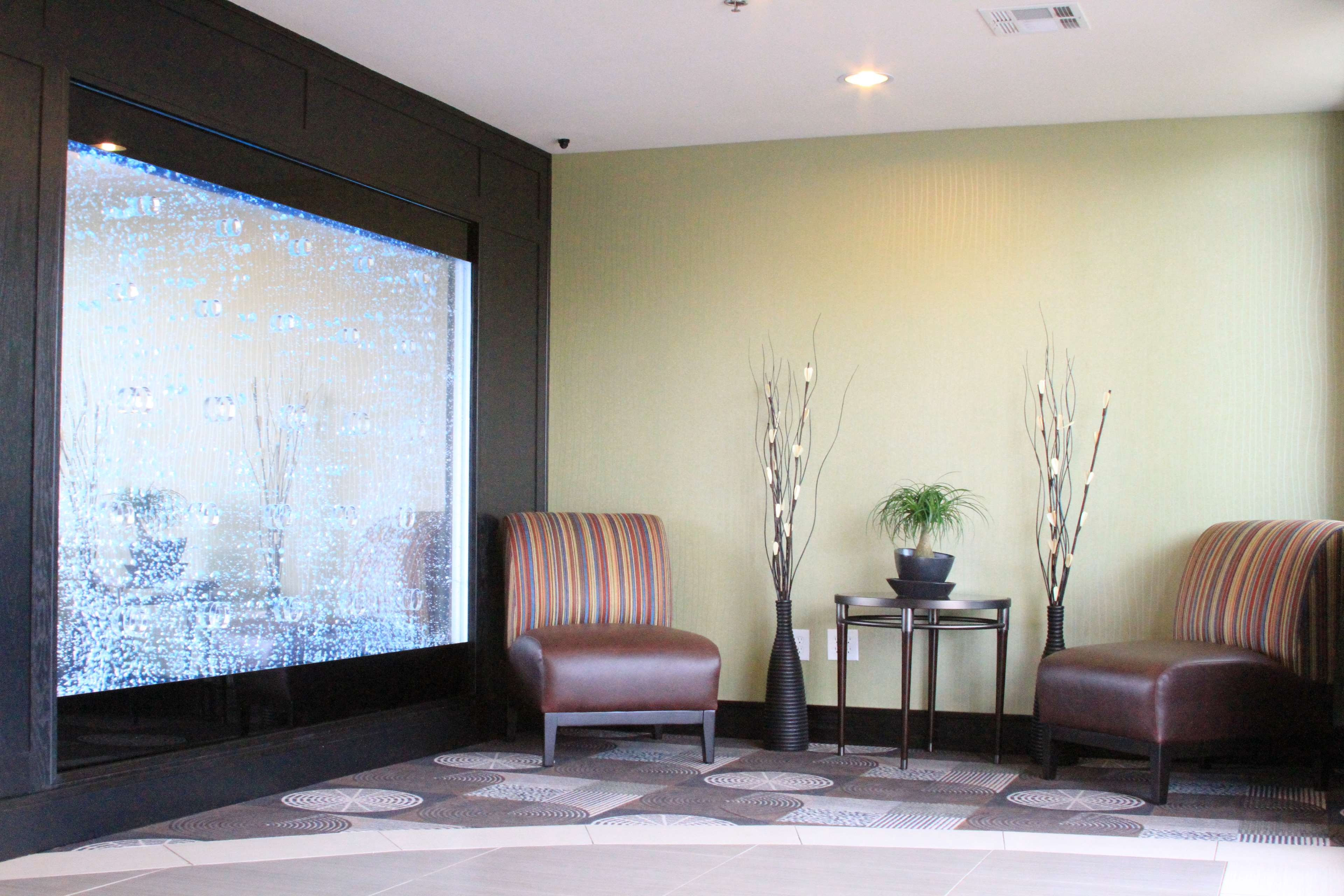 Best Western Plus Arlington North Hotel & Suites image 5