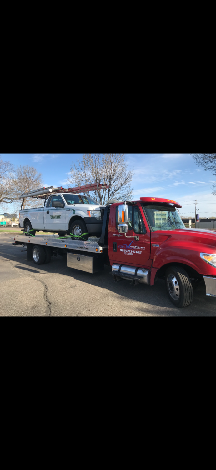 Rush2You Towing & Roadside Assistance image 24