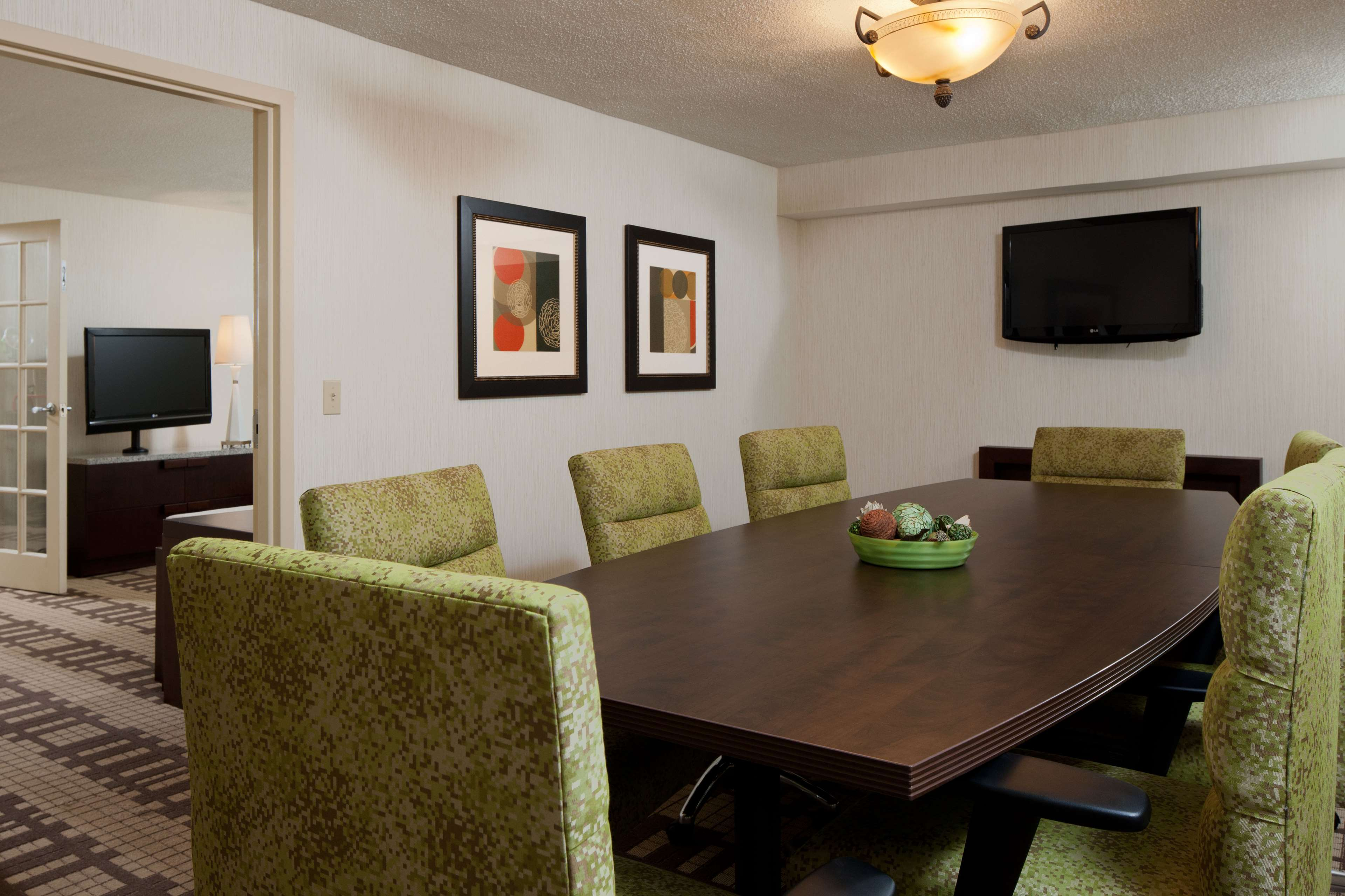 DoubleTree by Hilton Hotel Washington DC - Silver Spring image 15