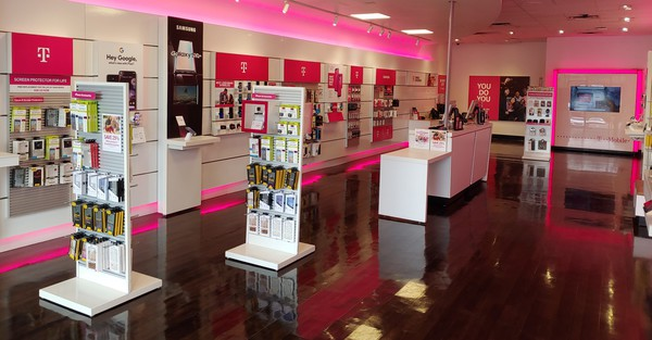 Interior photo of T-Mobile Store at The Pointe, Pittsburgh, PA