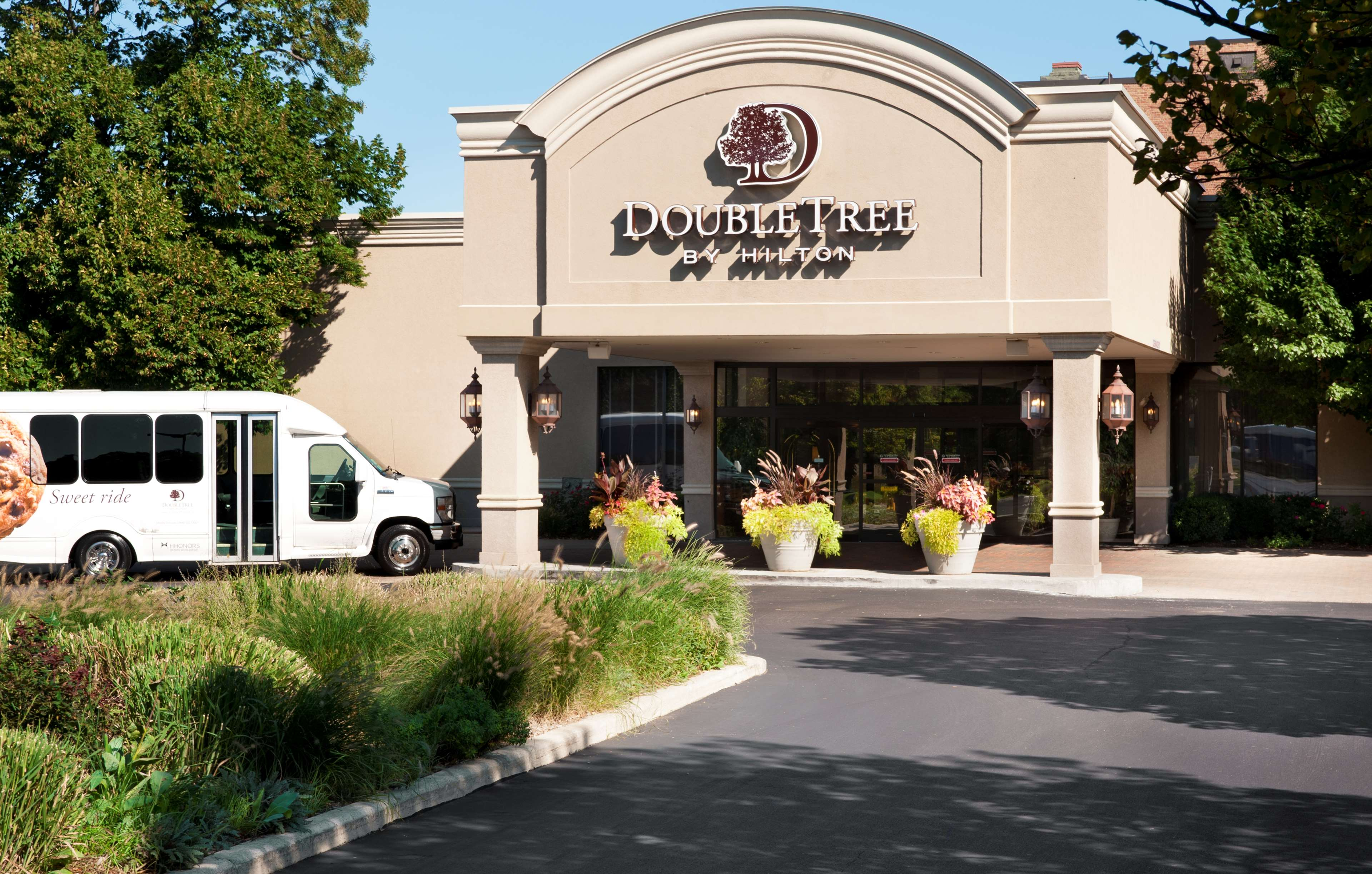 DoubleTree by Hilton Hotel Chicago - Alsip image 0