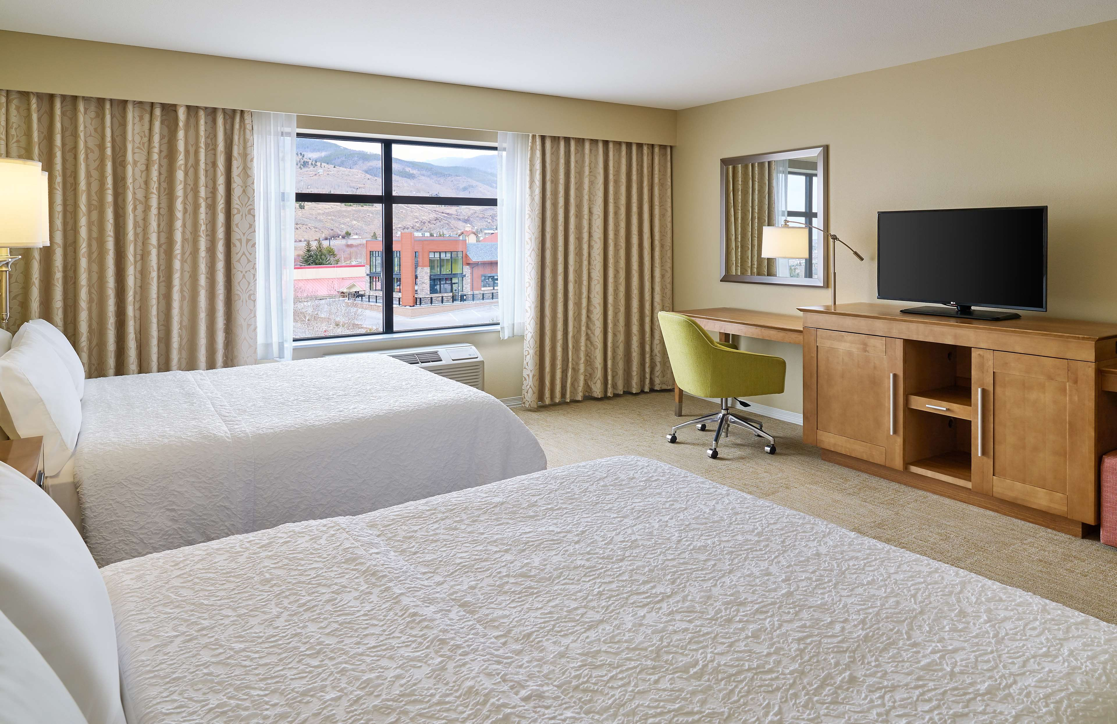 Hampton Inn & Suites Silverthorne image 29