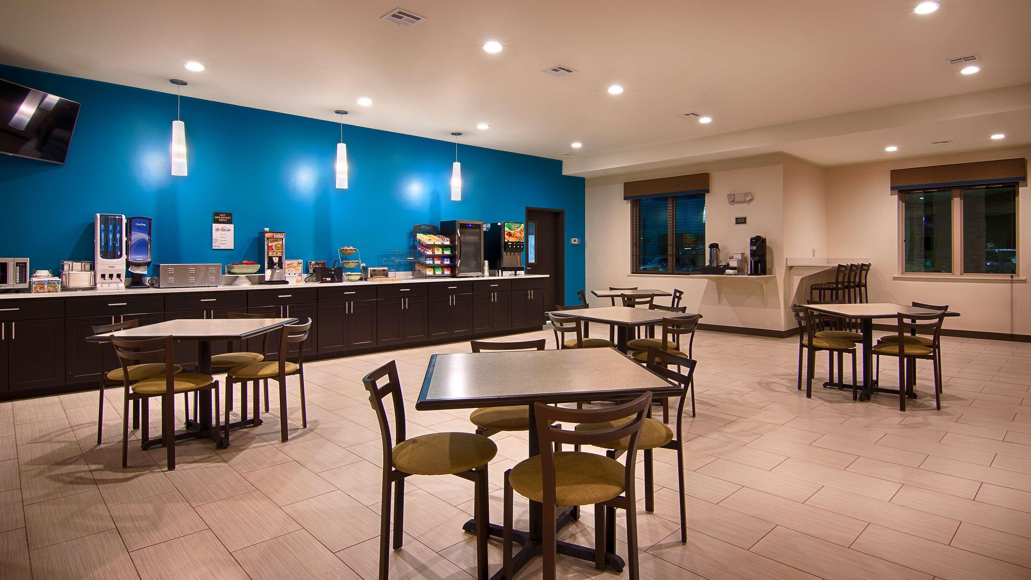 Best Western Lindsay Inn & Suites image 18