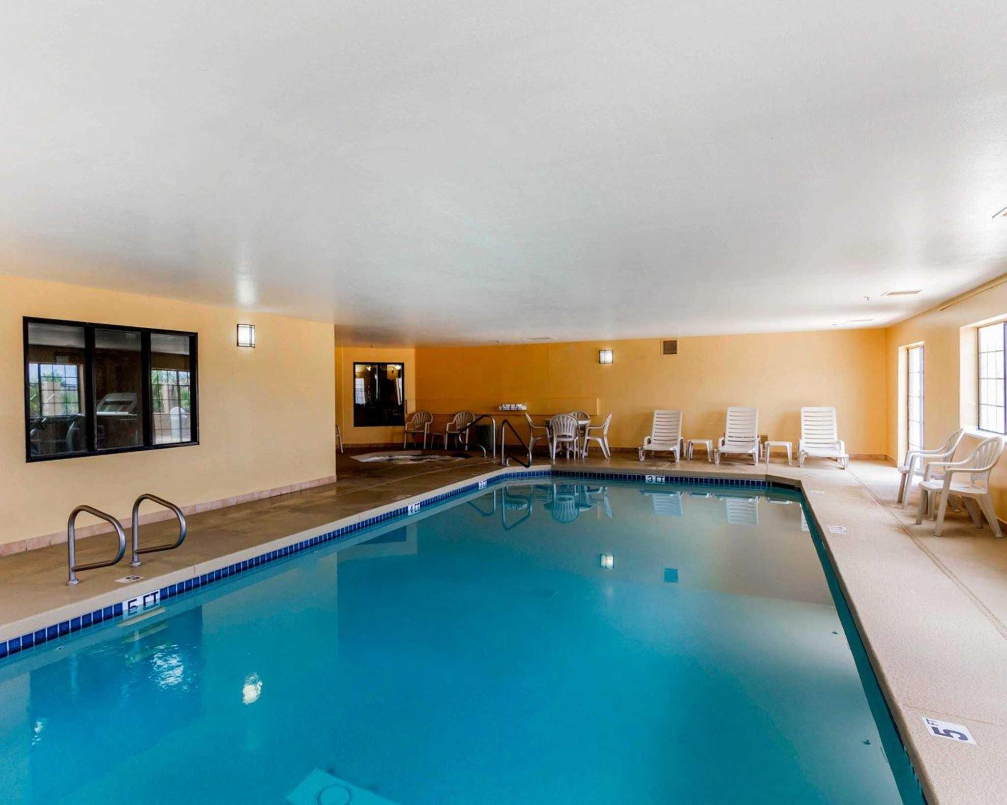 Quality Inn & Suites Surprise Near Sun City West image 18