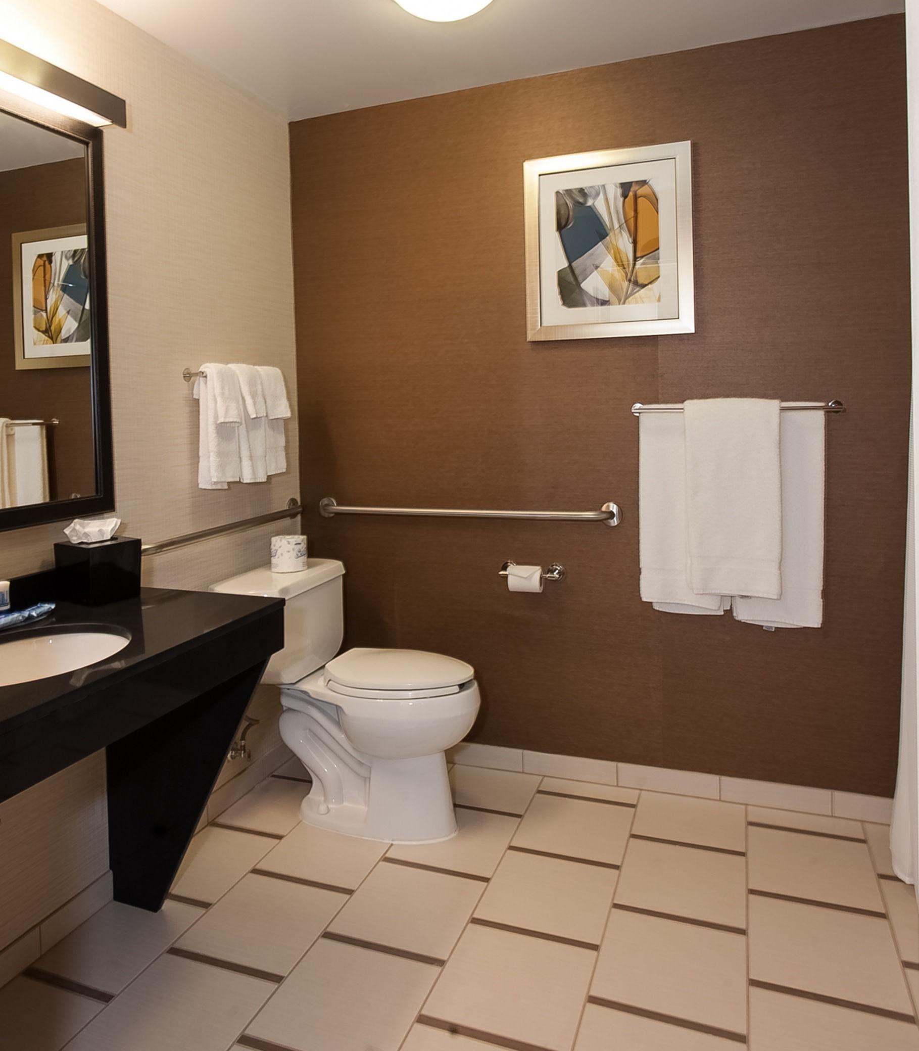 Fairfield Inn & Suites by Marriott Akron South image 1