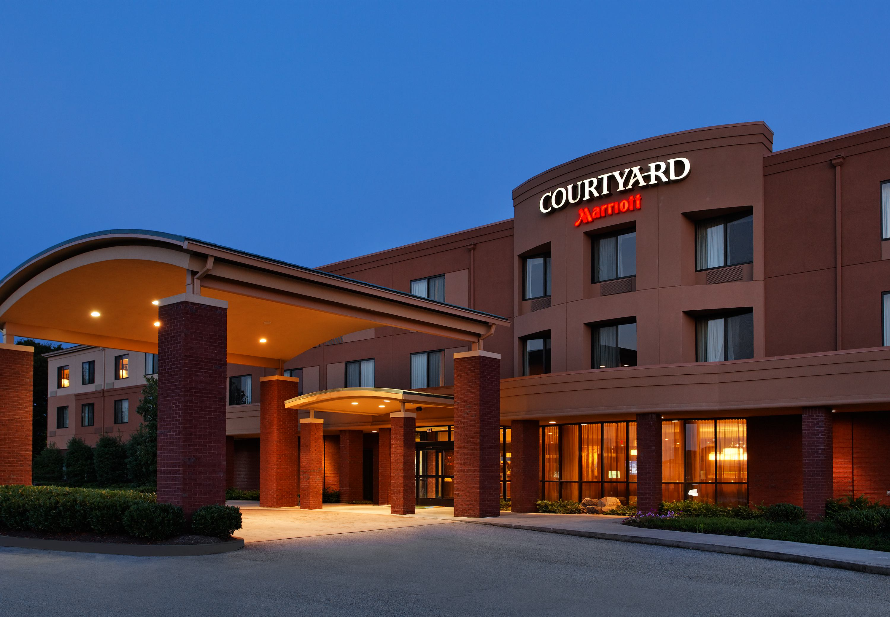 courtyard by marriott knoxville airport alcoa in alcoa tn. Black Bedroom Furniture Sets. Home Design Ideas
