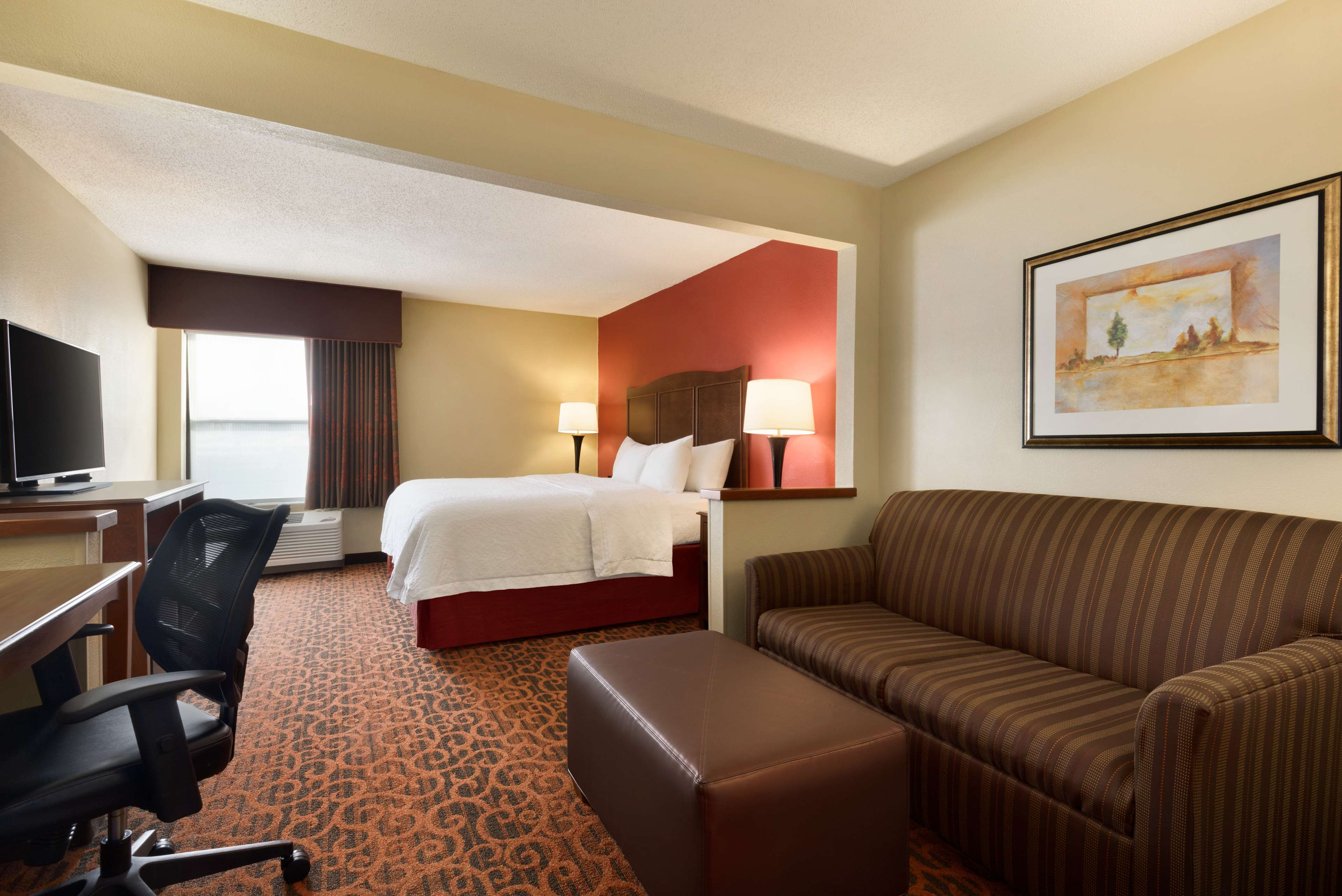 Hampton Inn Battle Creek image 19