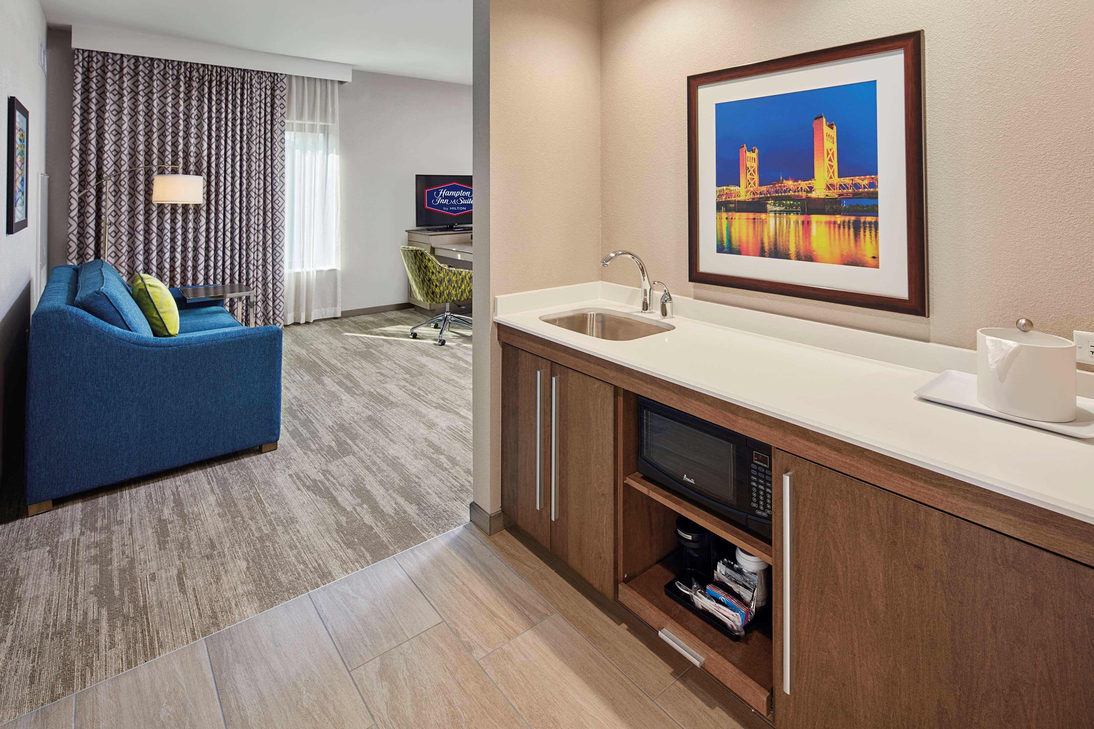 Hampton Inn & Suites Sacramento at CSUS image 46