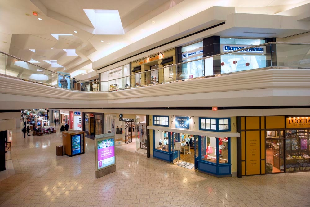 Woodfield Mall image 10