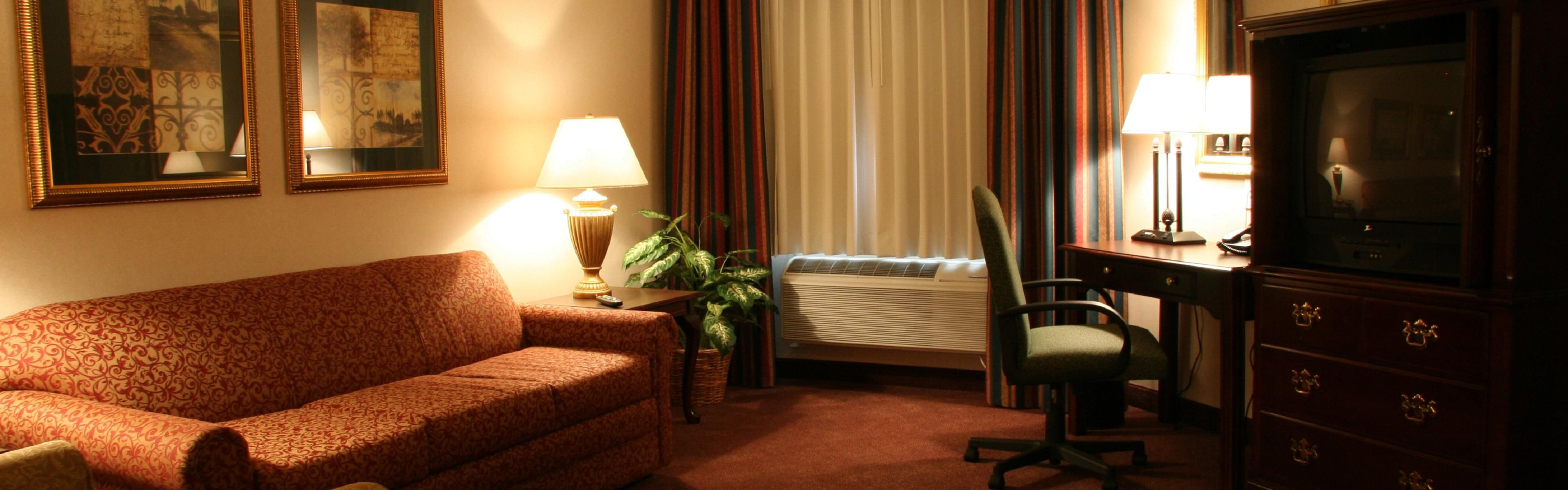 Holiday Inn Selma-Swancourt image 1