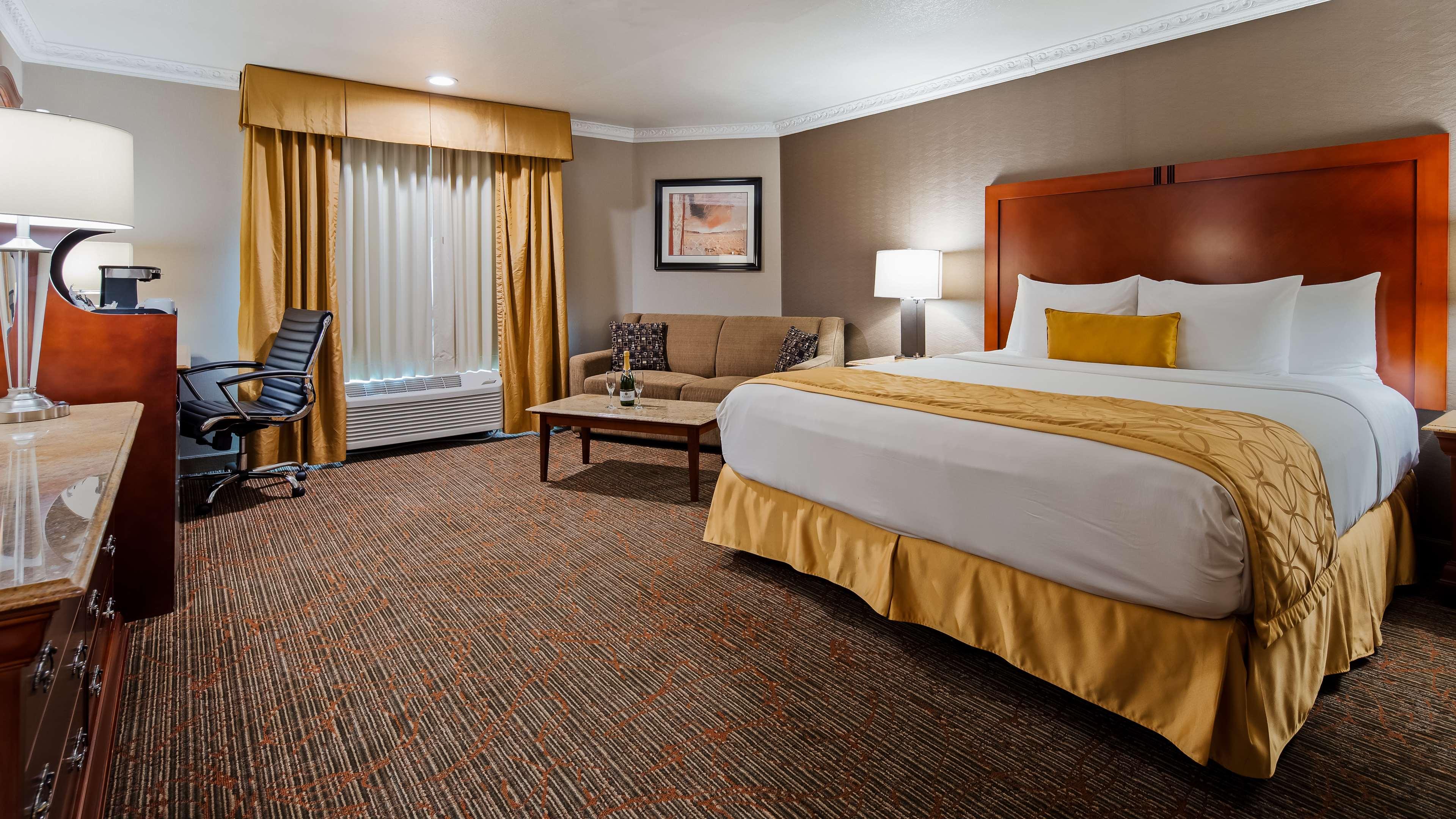 Best Western Plus Newport Mesa Inn image 9