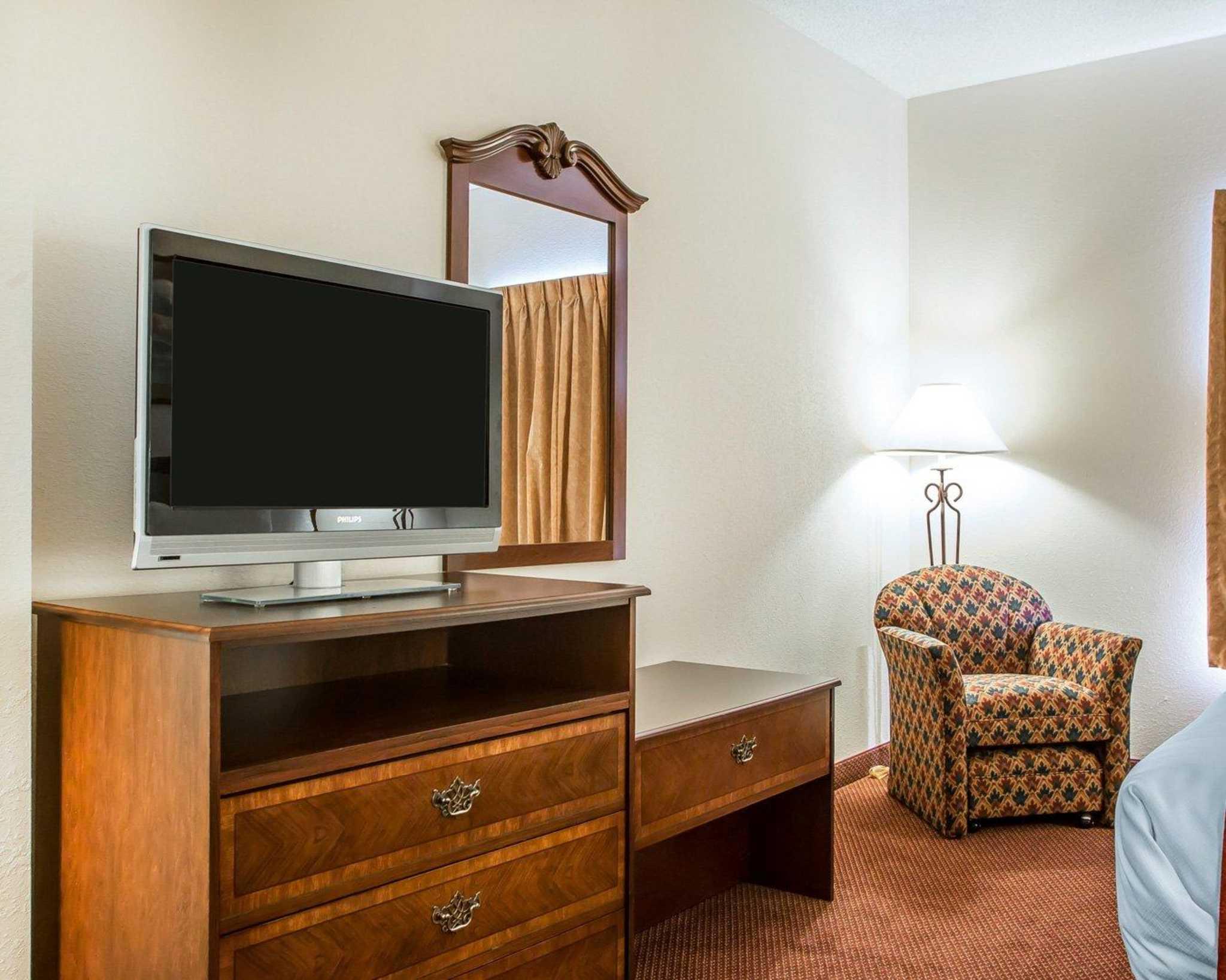 Comfort Suites Jefferson City image 18