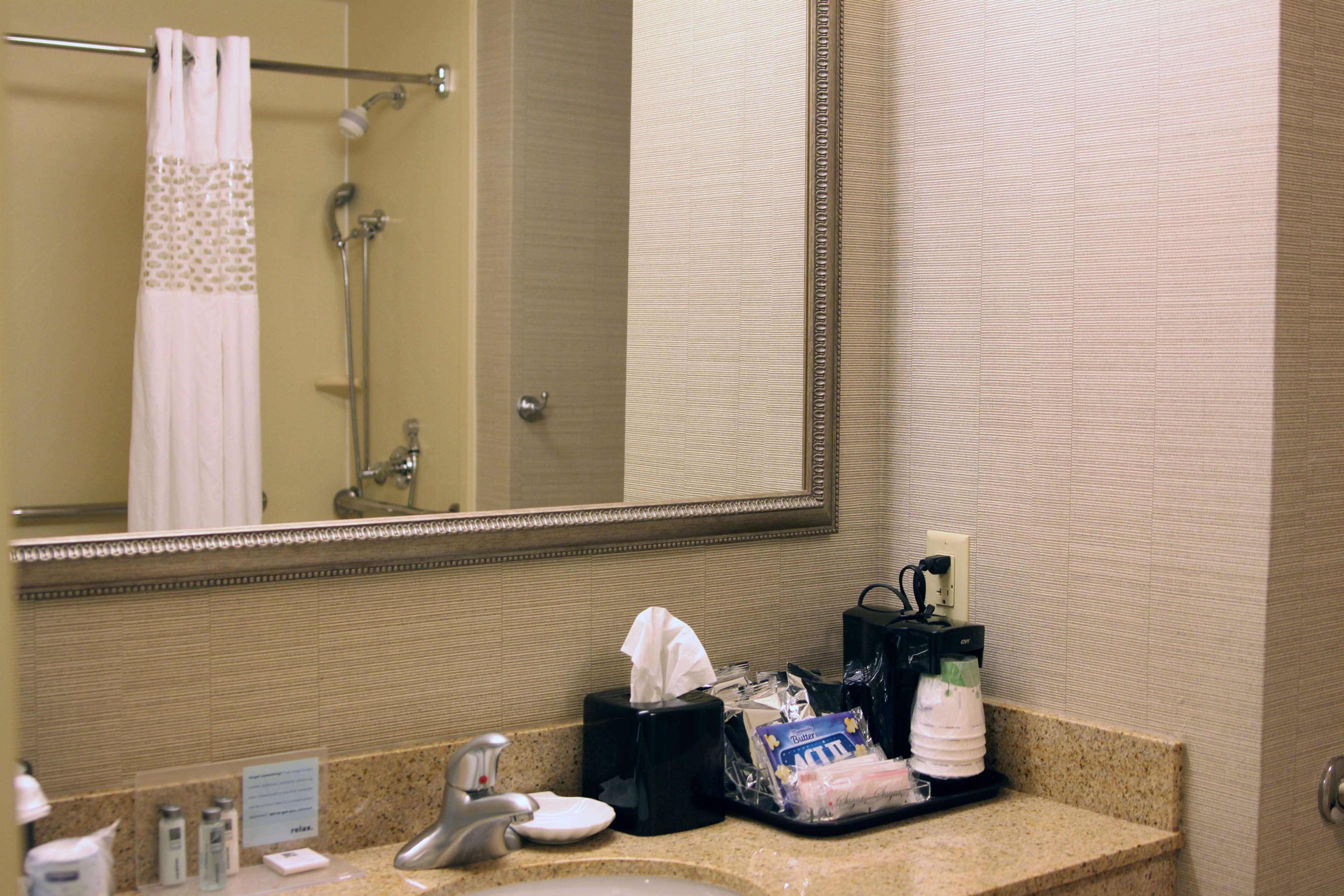 Hampton Inn & Suites Paducah image 22