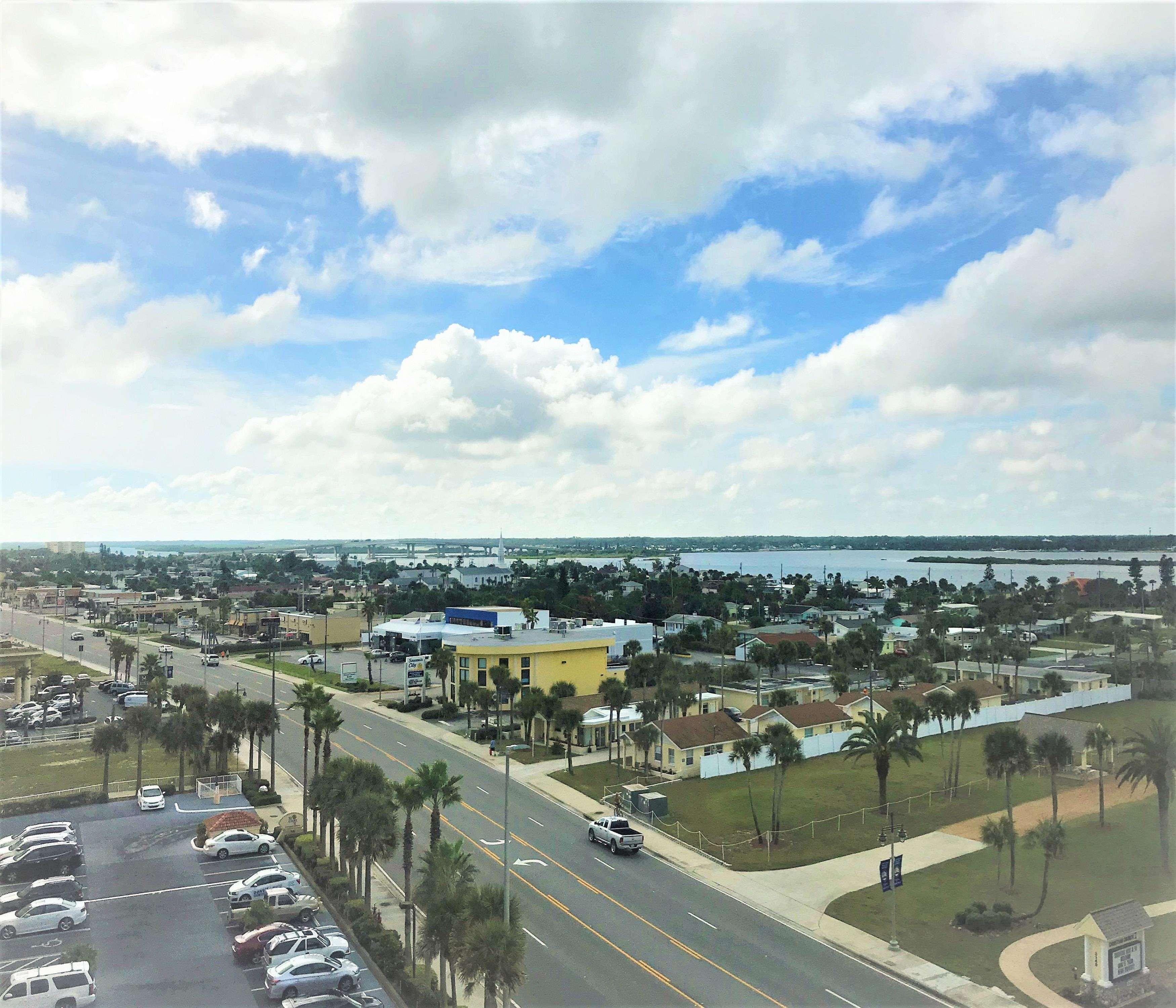 Hampton Inn Daytona Shores-Oceanfront image 17