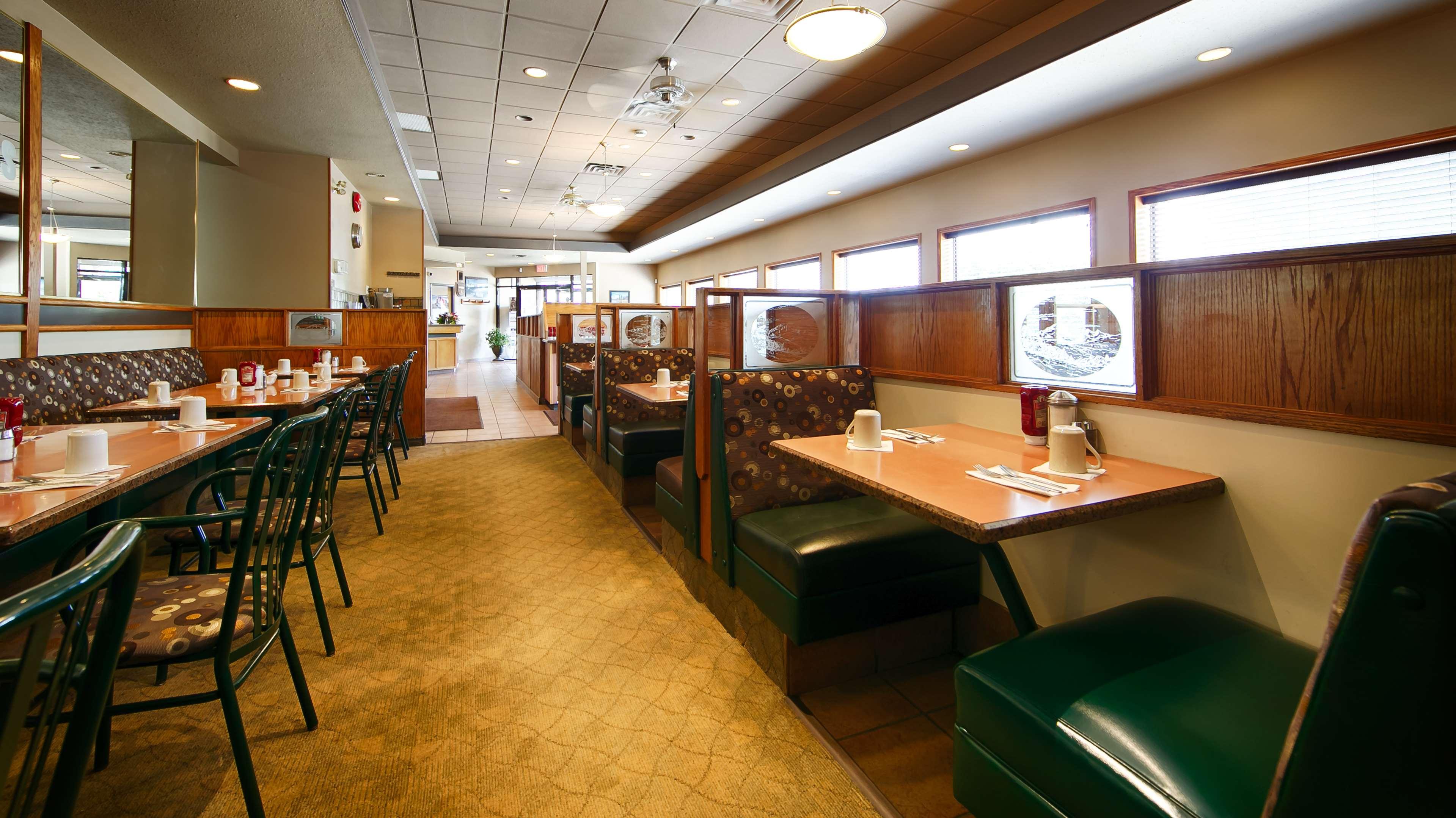 Best Western Bakerview Inn in Abbotsford: On-Site Restaurant