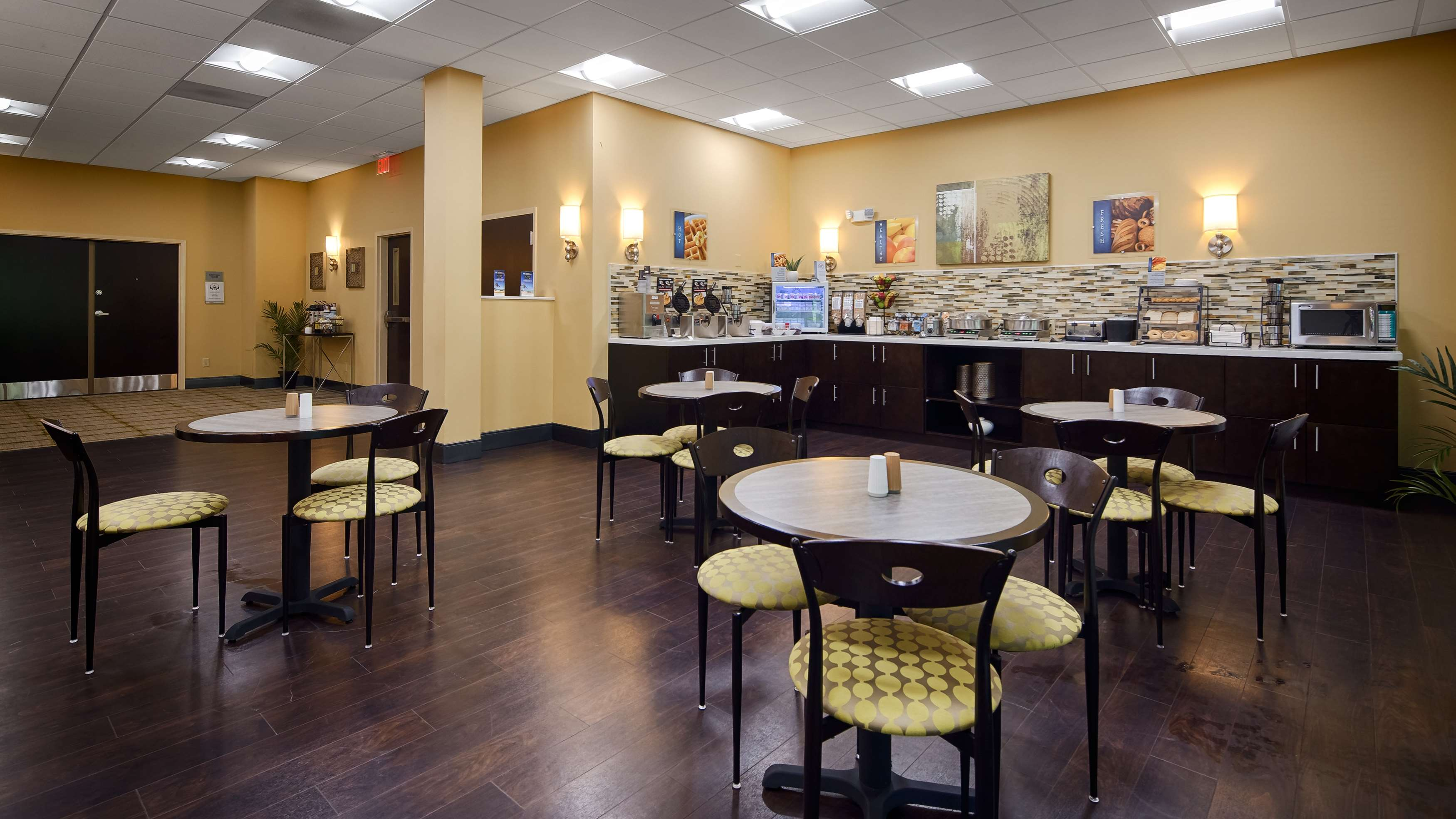 Best Western Plus Thornburg Inn & Suites image 14