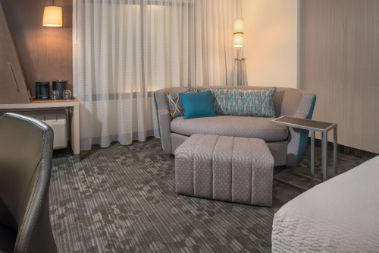 Courtyard by Marriott Cleveland Elyria image 4