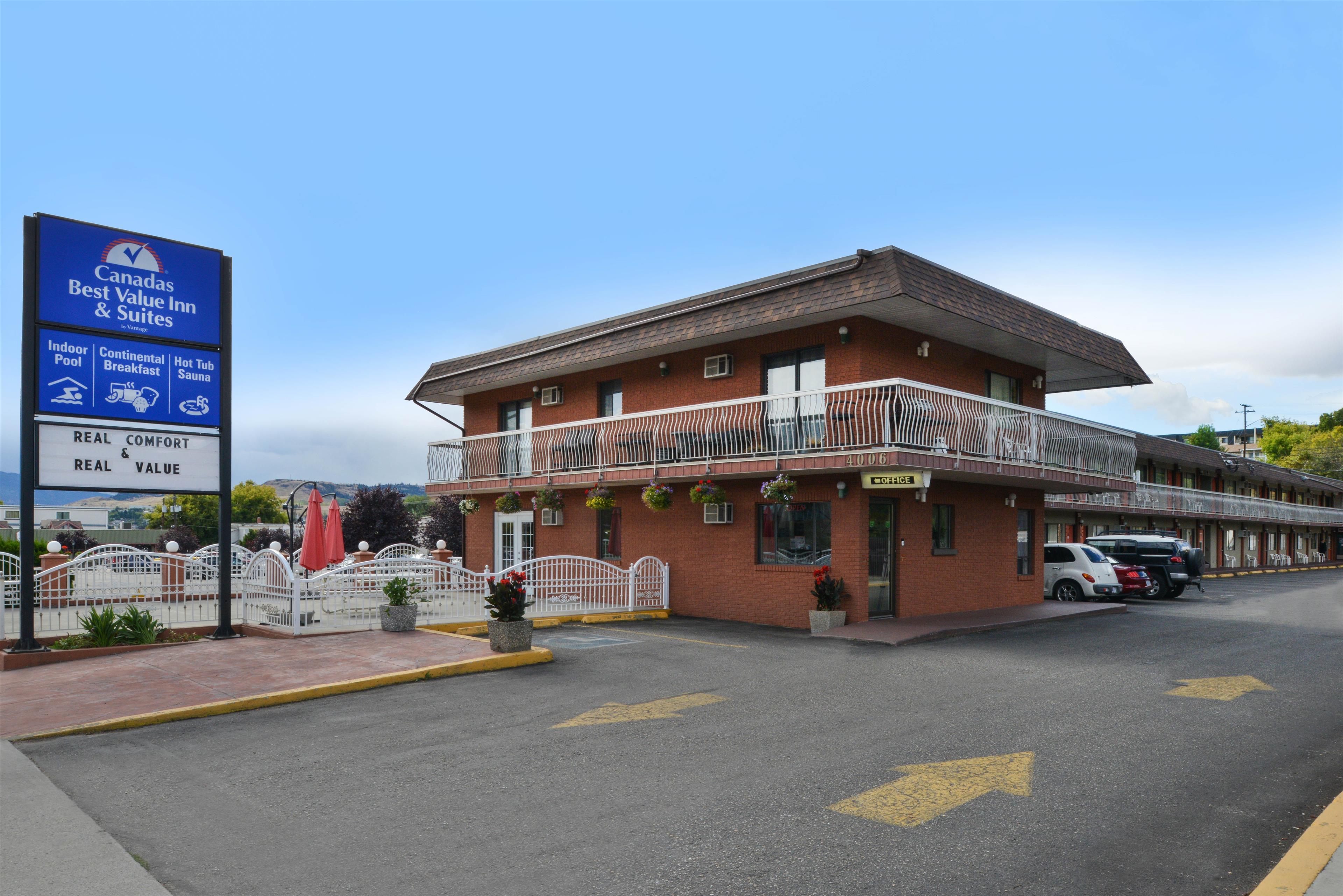 Canadas Best Value Inn & Suites Vernon in Vernon: Exterior