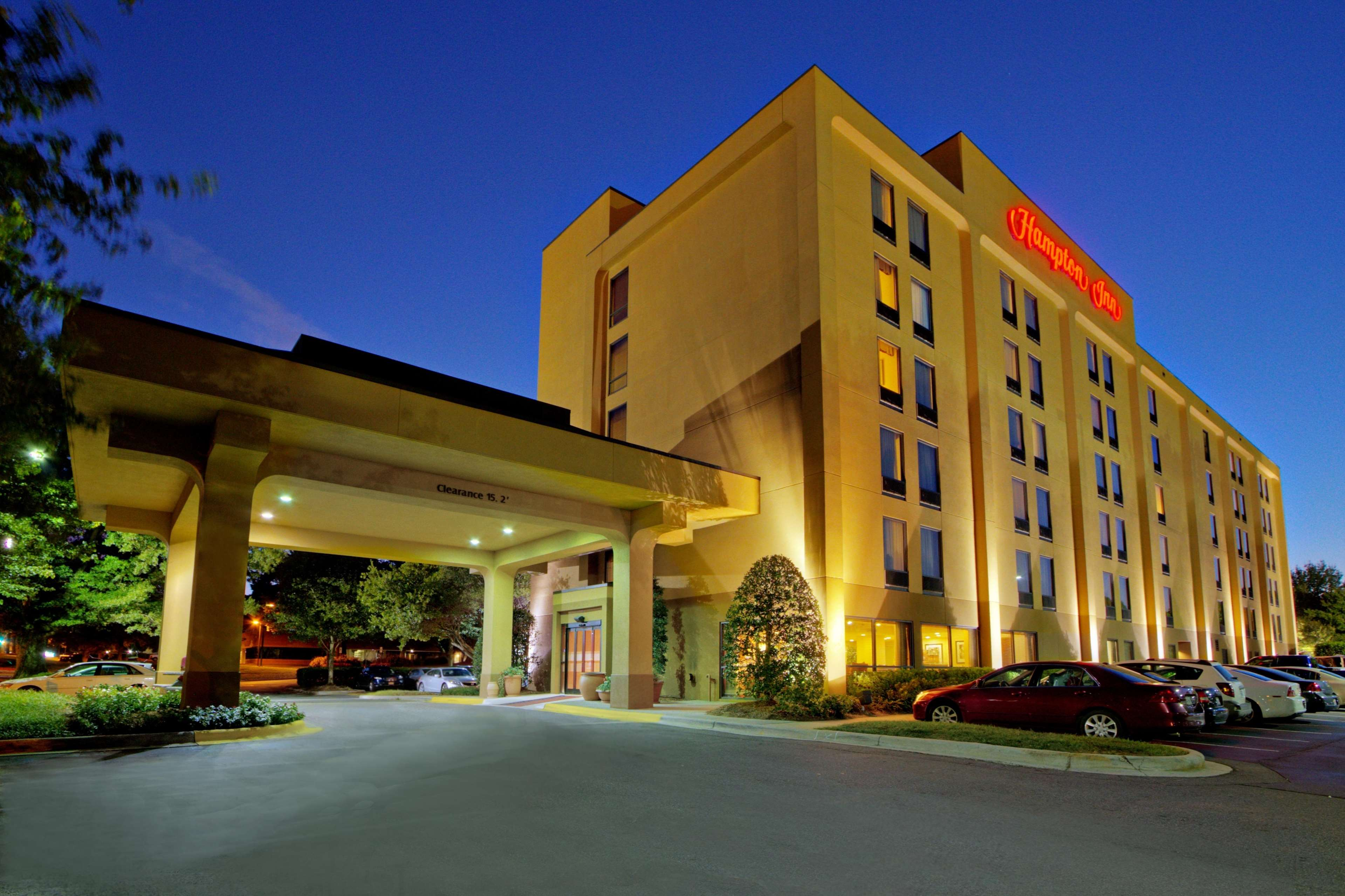 Hampton Inn Charlotte-University Place image 1