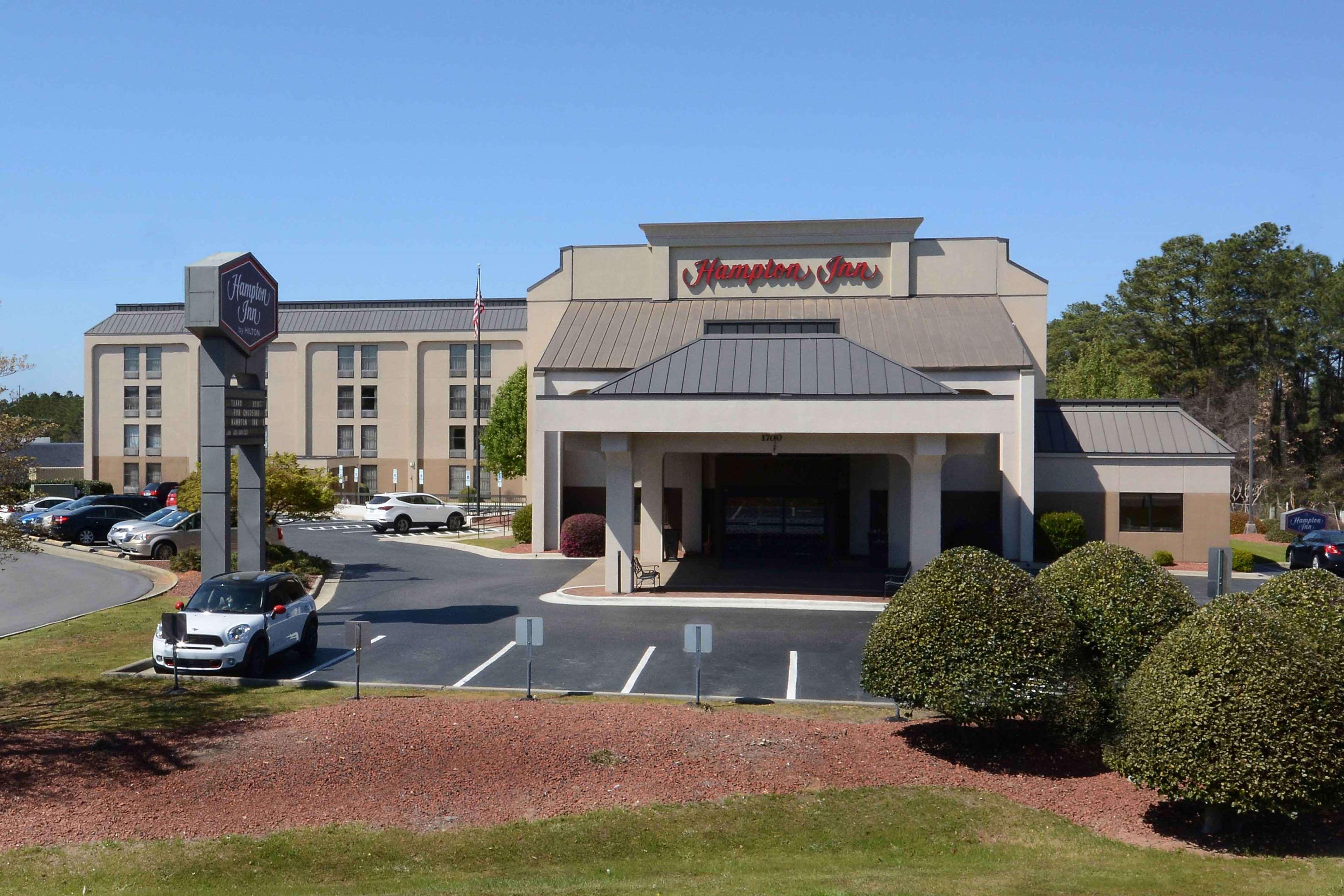 Hampton Inn Fayetteville Fort Bragg image 1