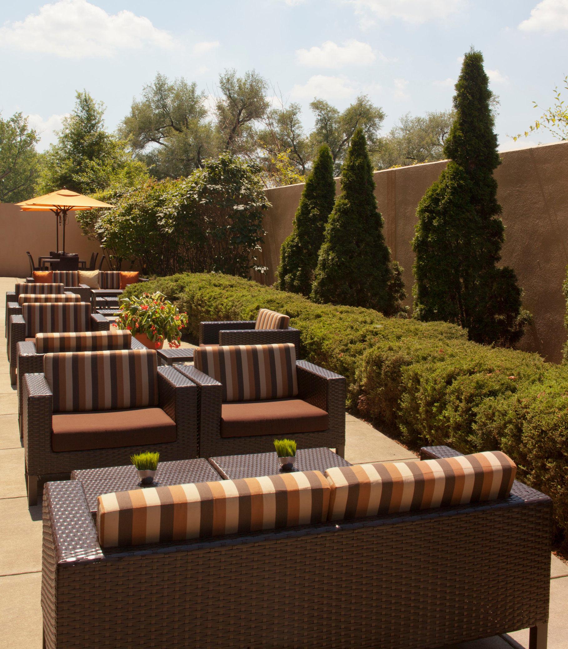 Courtyard by Marriott Louisville Airport image 4