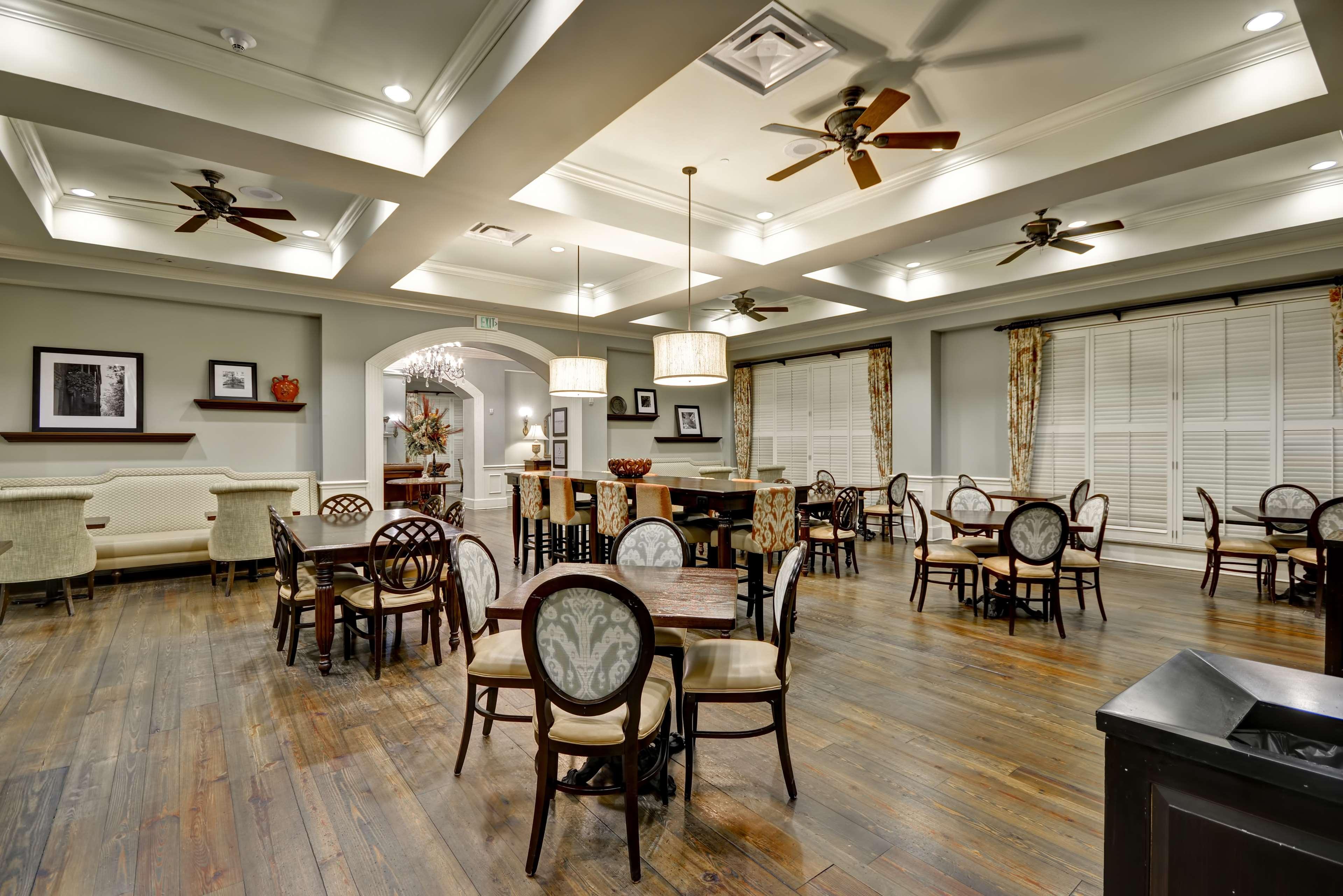 Hampton Inn & Suites Savannah Historic District image 19